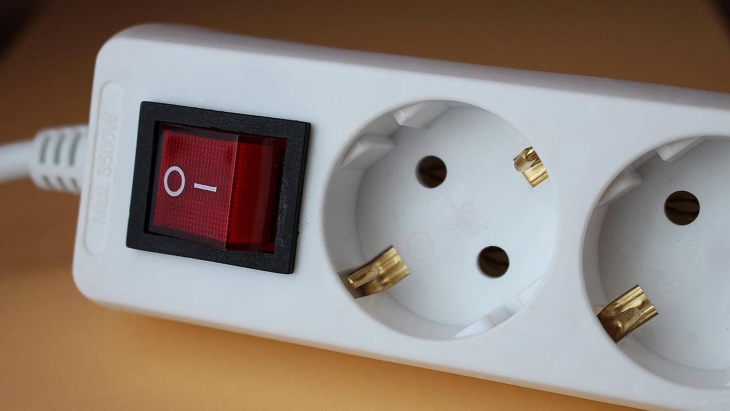 Doppelt hält besser: Mit einer schaltbaren Steckdosenleiste sind Deine elektrischen Geräte auch wirklich aus.