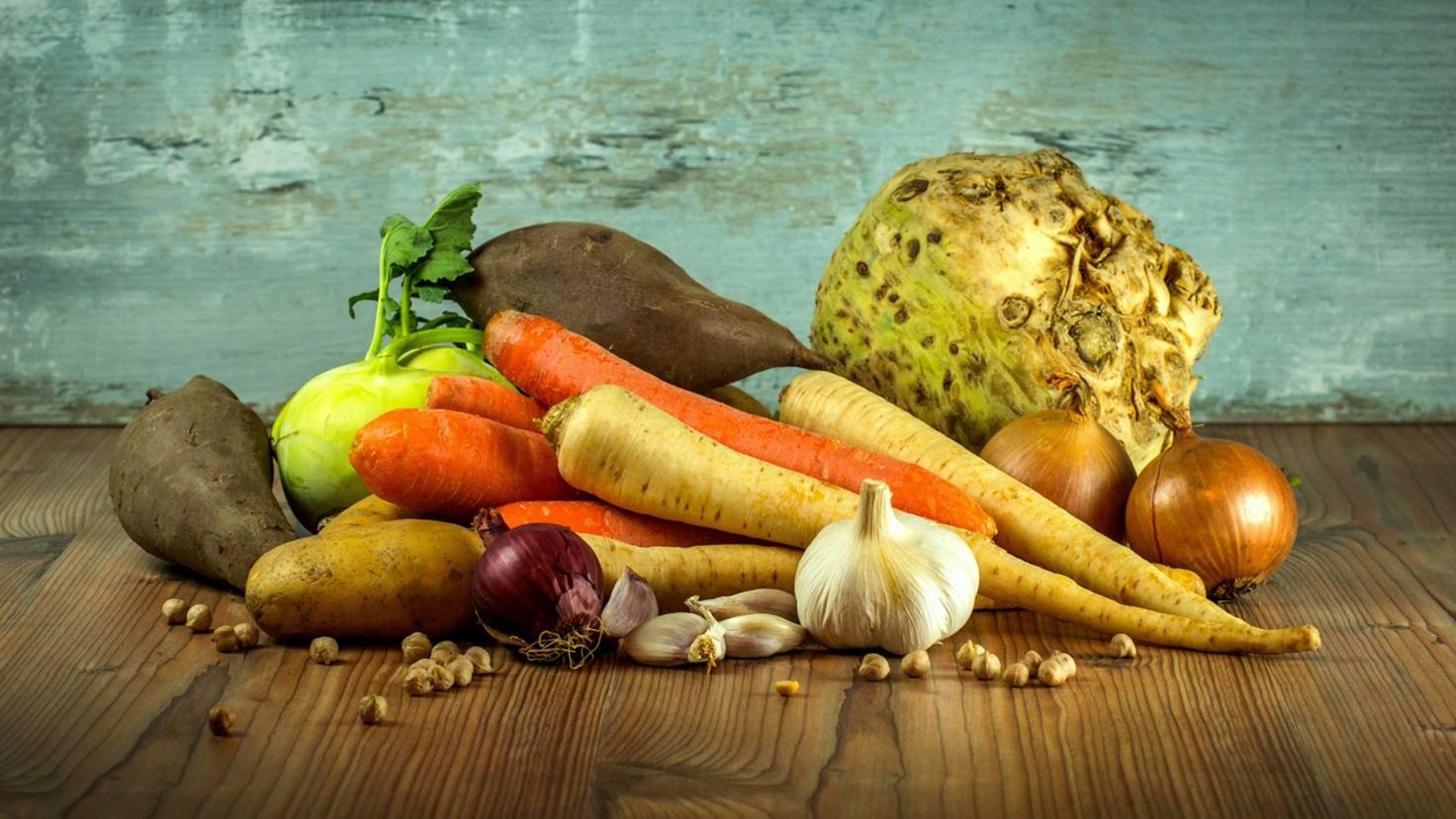 Vor allem im Winter wird saisonales Essen leicht zur Herausforderung. Ein Tipp: Möhren und andere Wurzeln wachsen dann vor der Haustür.