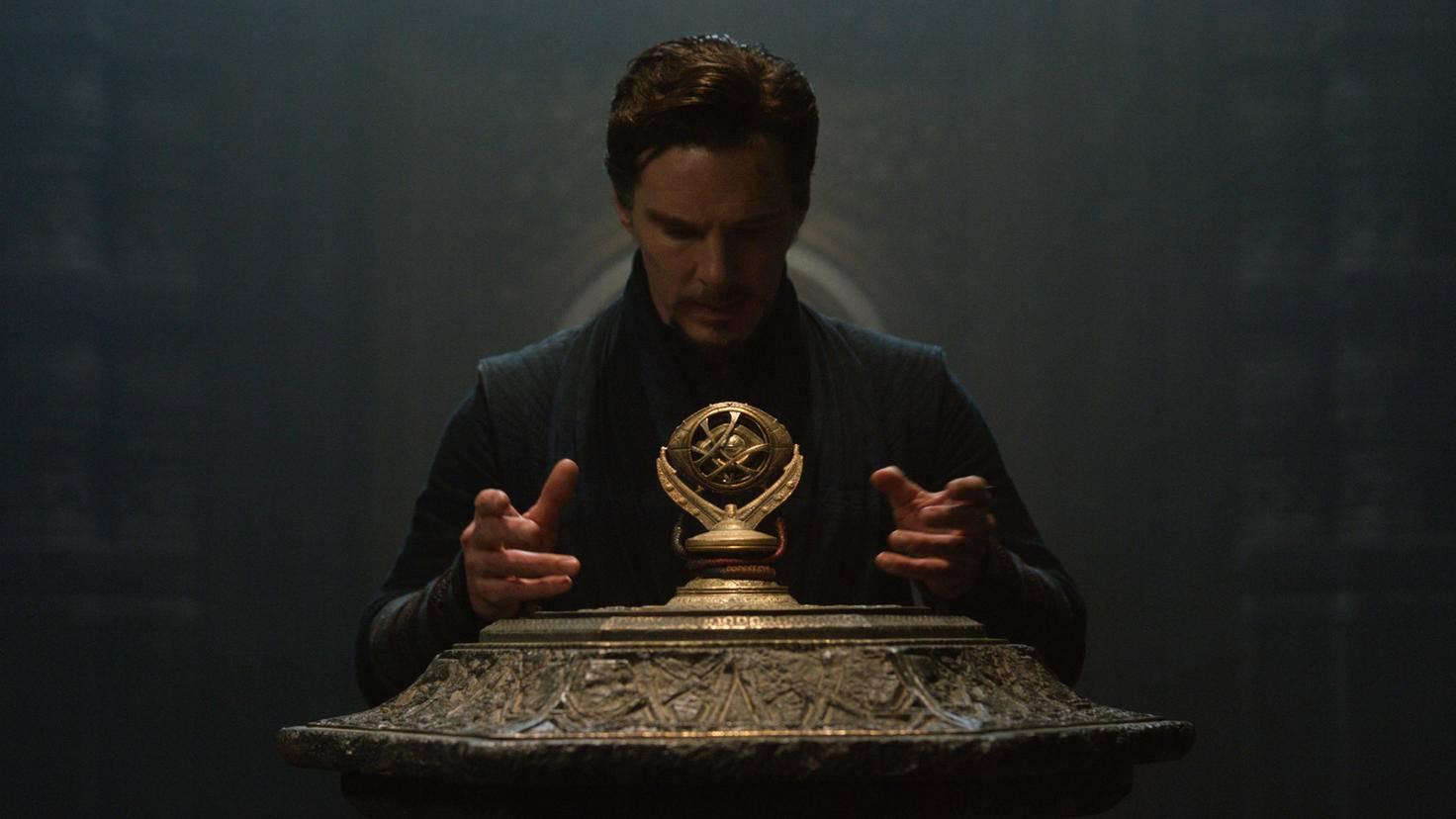 Mit dem Auge des Agamotto kann Doctor Strange die Zeit beeinflussen.