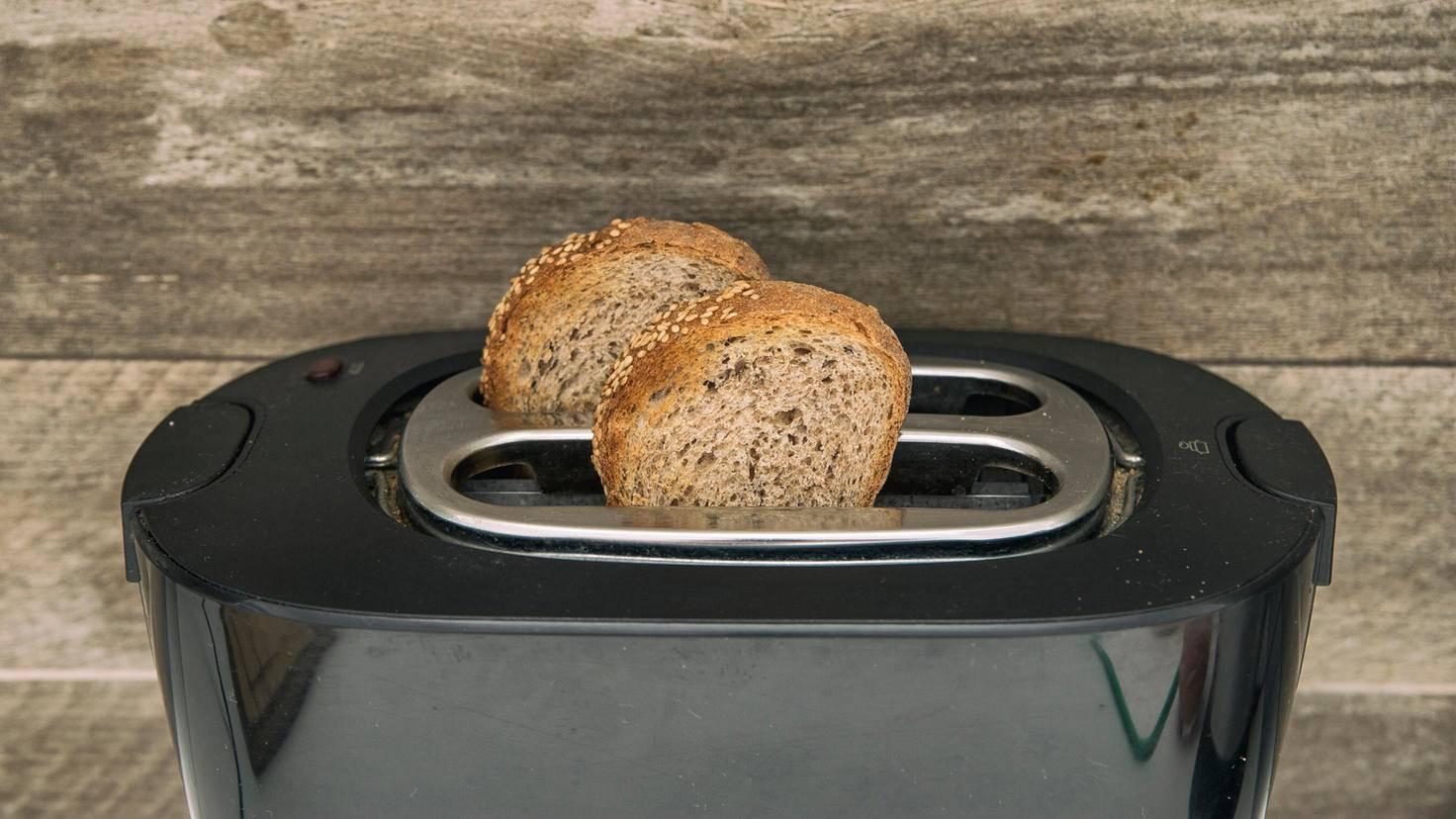 Einzelne gefrorene Scheiben können schnell und einfach im Toaster aufgebacken werden.
