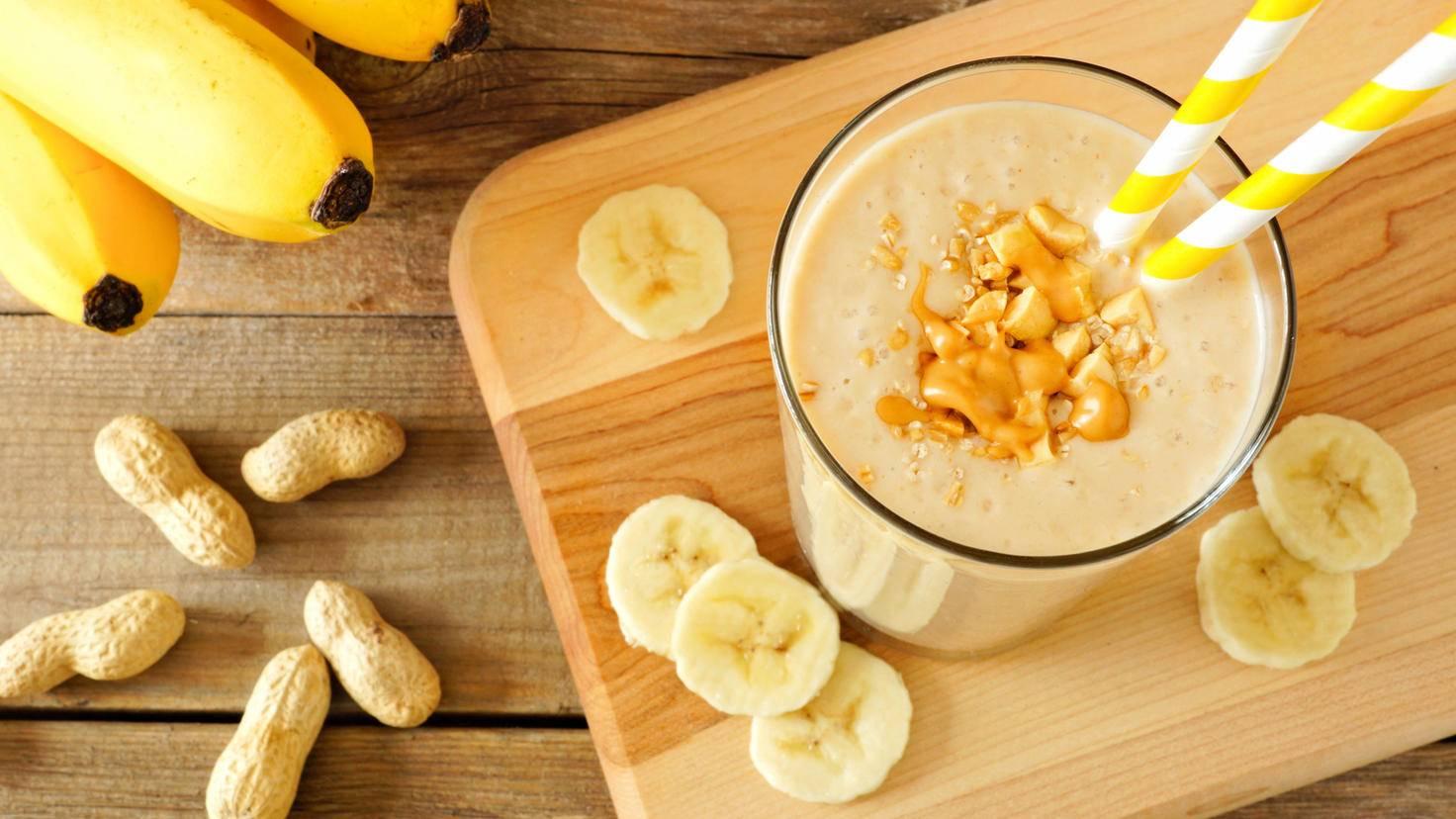 Nicht nur als Grundzutat für Smoothies sind Bananen im Kühlfach sehr praktisch.