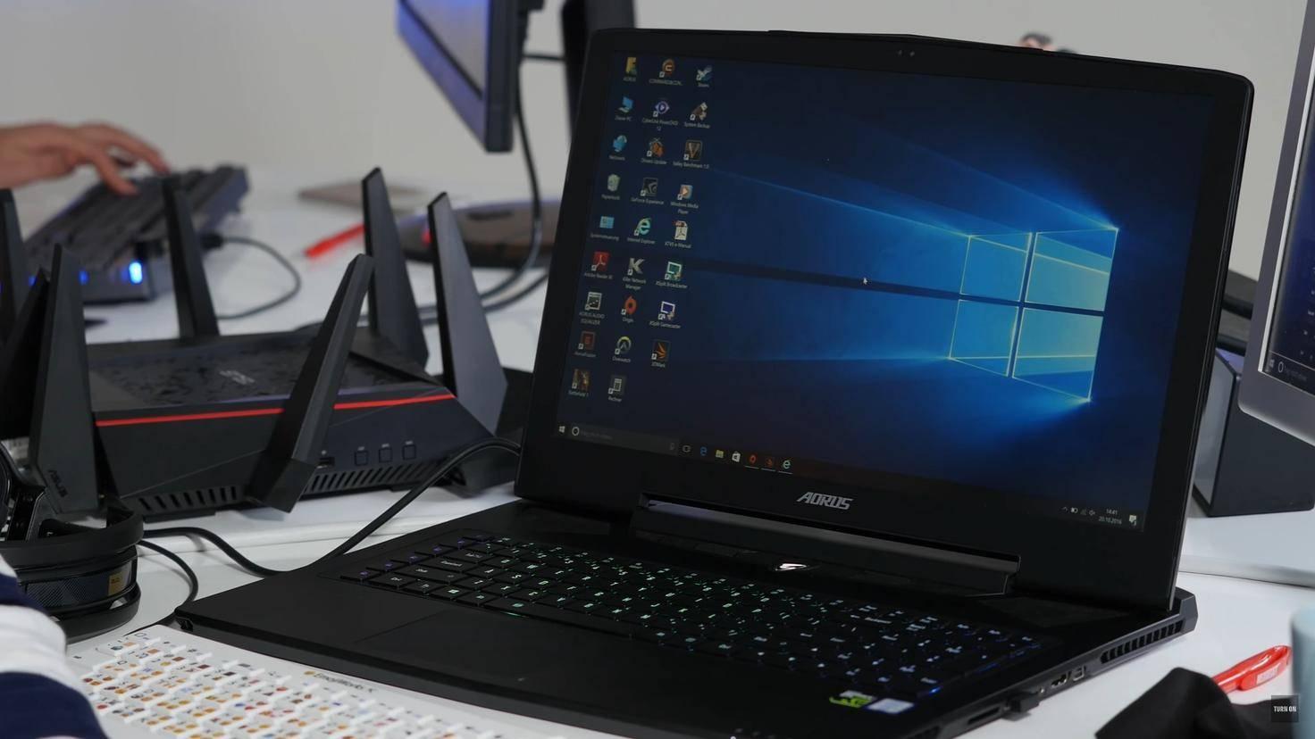 Windows-10-Laptop-Notebook-Turn-On