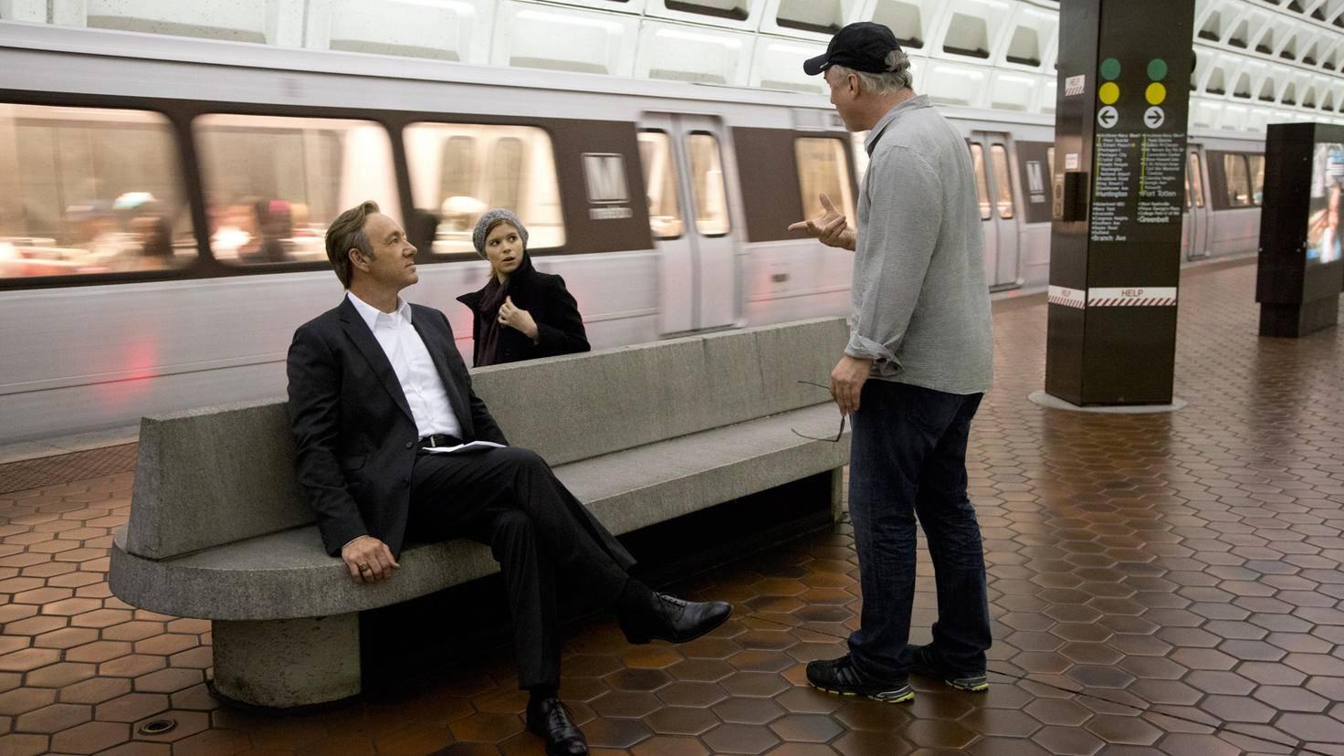 """David Fincher (r.) hat klare Vorstellungen, wie """"House of Cards"""" aussehen soll."""