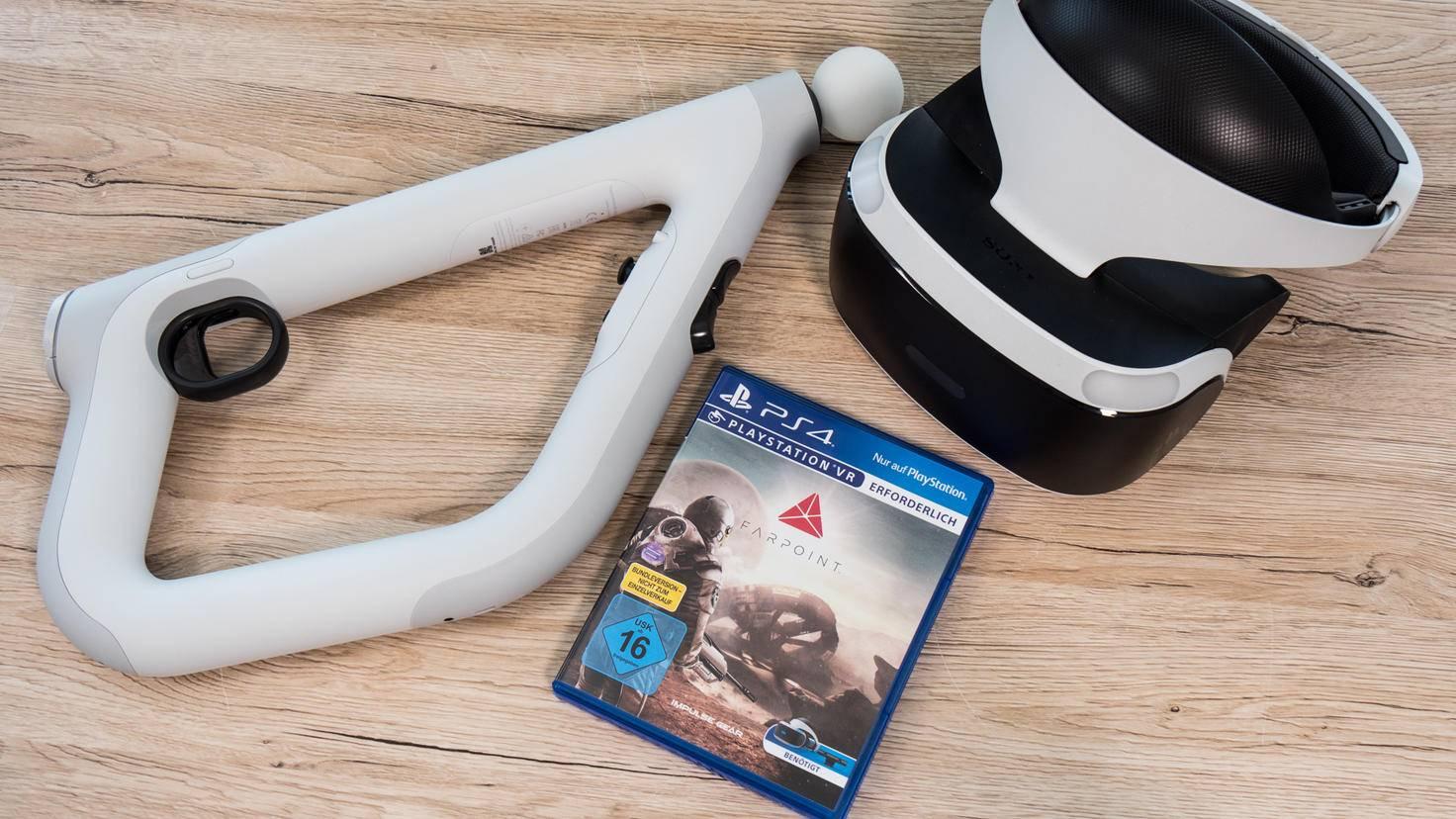 """Das Trio für die perfekte Shooter-Illusion? PlayStation VR-Ziel-Controller, """"Farpoint"""" und die PlayStation VR-Brille."""