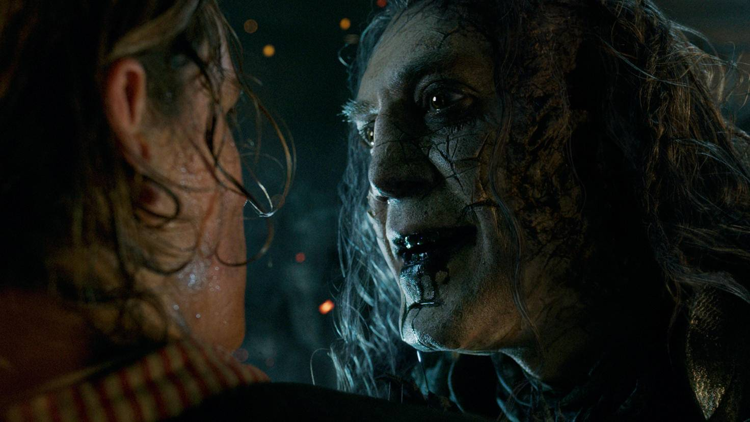 Captain Salazar (Javier Bardem, rechts) macht Jagd auf Jack Sparrow (Johnny Depp)