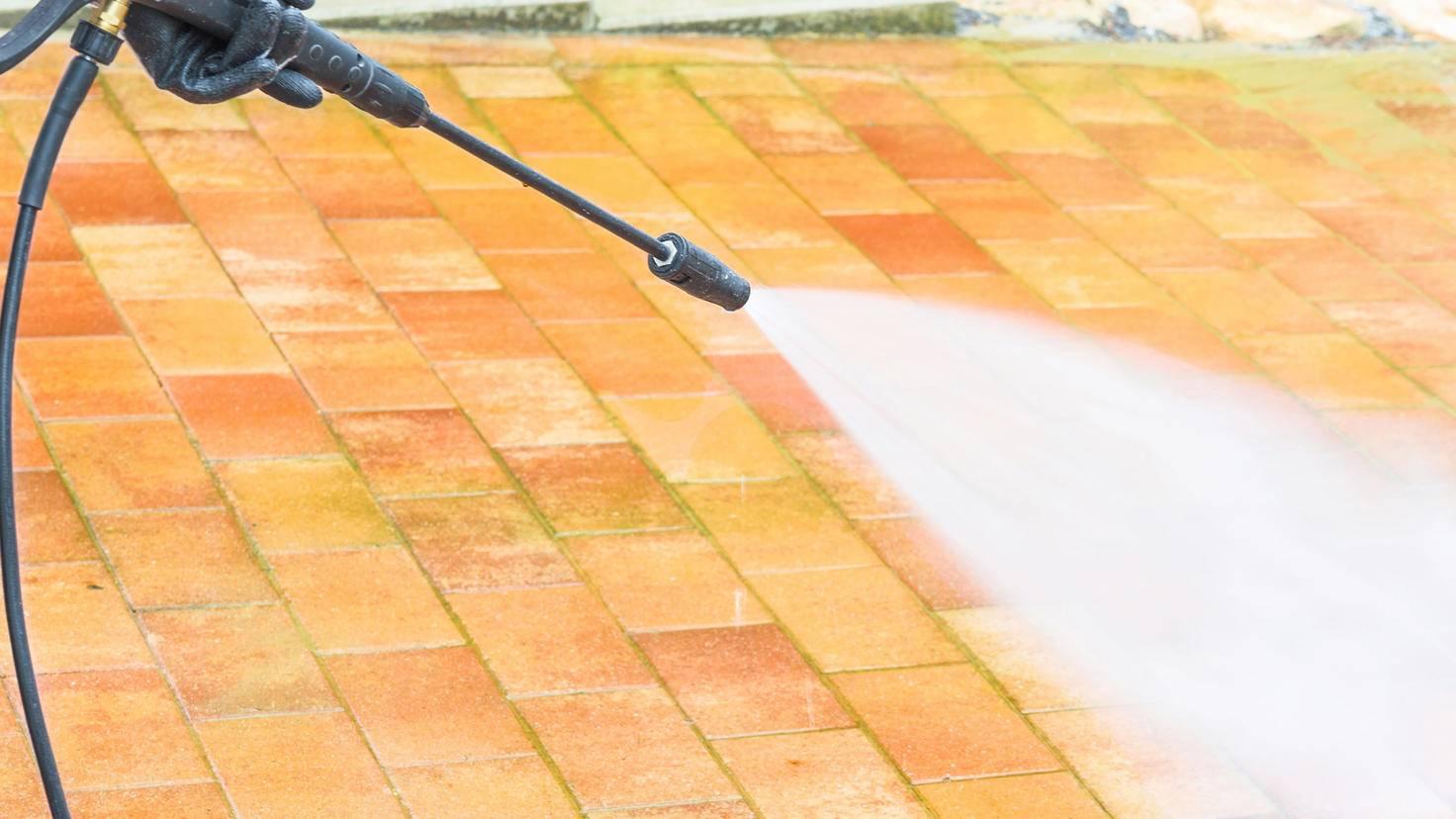Auch ohne zusätzliches Reinigungsmittel leistet der Hochdruckreiniger ganze Arbeit.