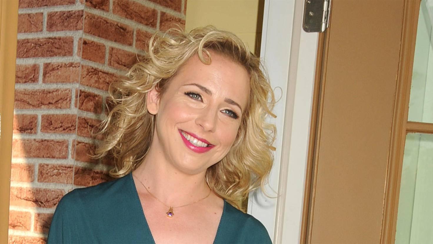 Roseannes Filmtochter Becky wurde original von Alicia Goranson verkörpert.