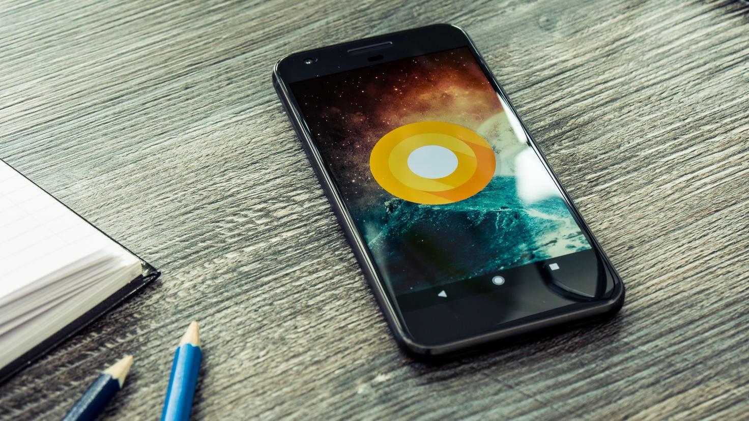 Auf dem Google Pixel hat Android quasi Heimspiel – aber auch Smartphones anderer Hersteller (darunter etwa die Samsung-Galaxy-Reihe) nutzen Googles Betriebssystem.