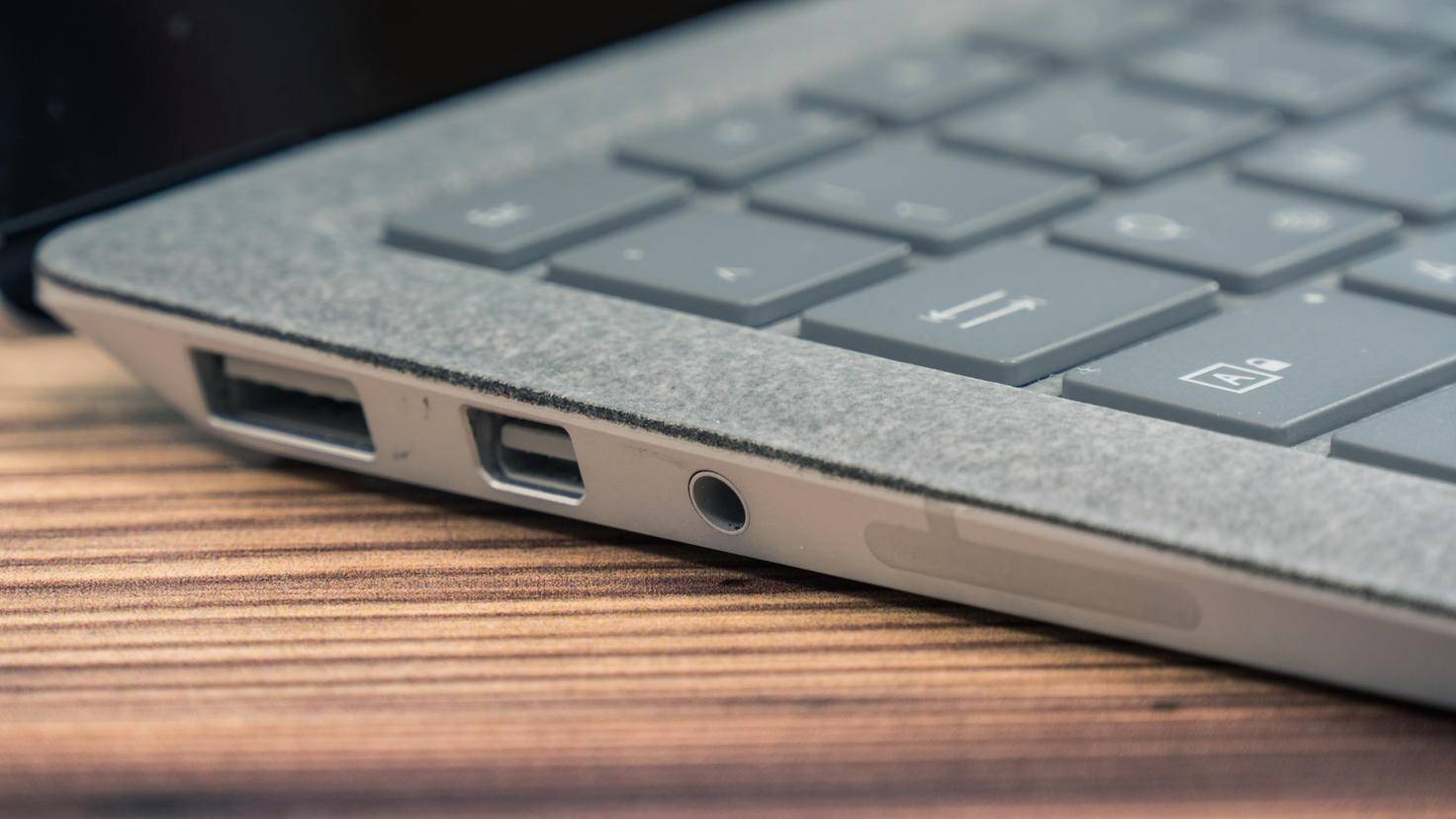 Microsoft-Surface-Laptop-06