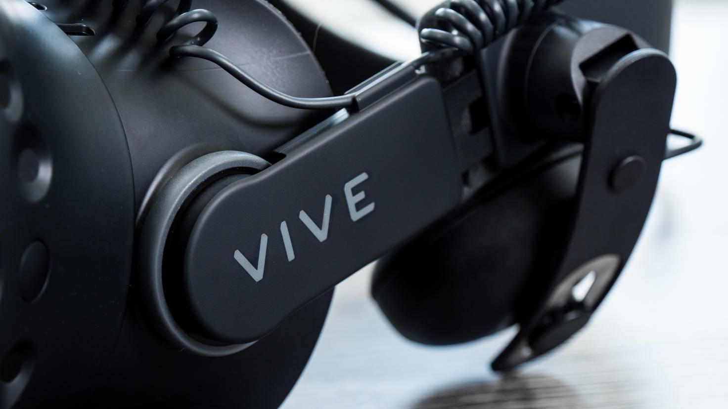 Vive-Deluxe-Audio-Strap-01