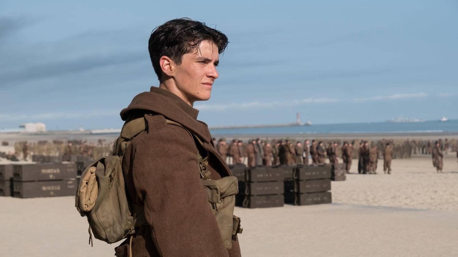 Newcomer Fionn Whitehead als Tommy.