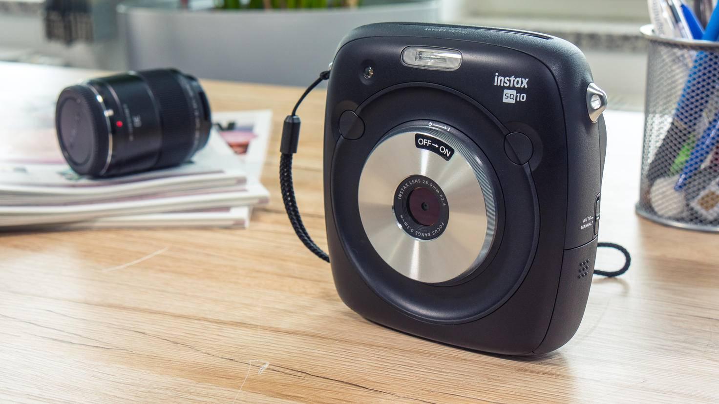 Fujifilm Instax Square SQ10-14-TURN ON