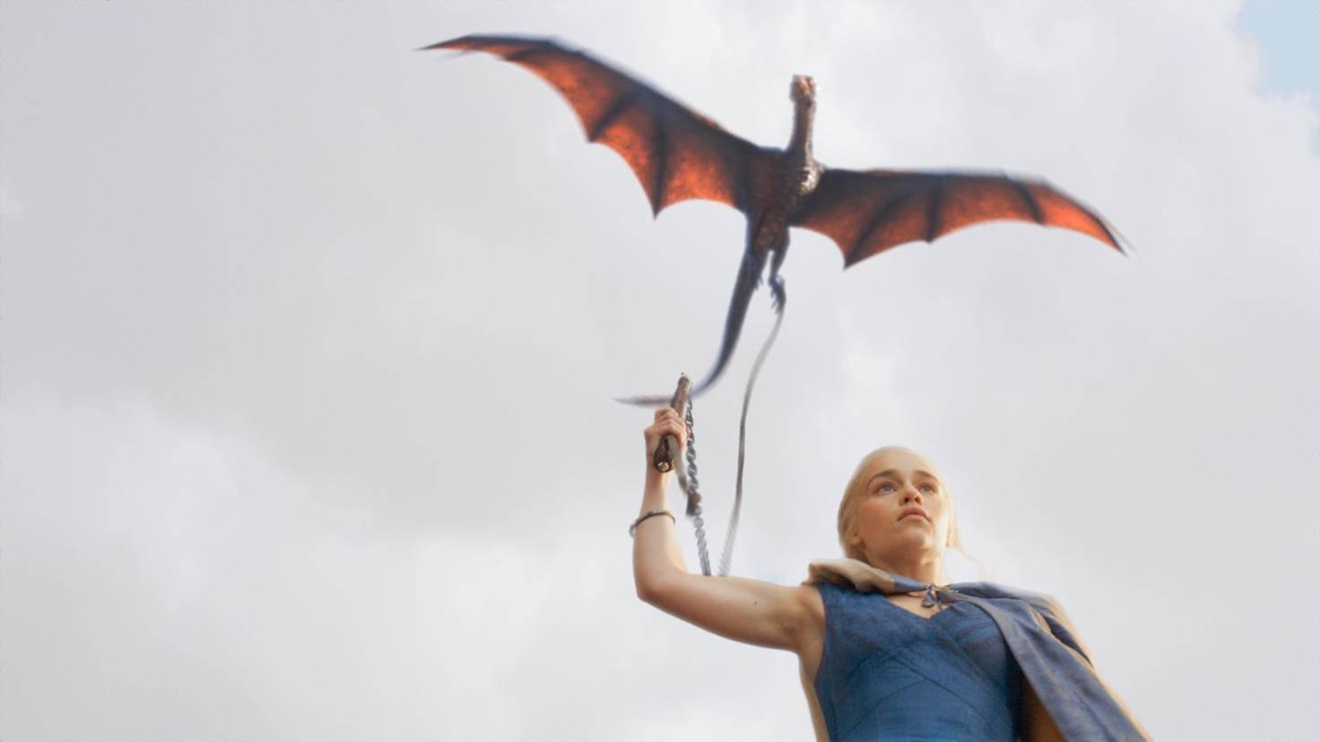 Daenerys Targaryen bringt nicht nur ein gigantisches Heer mit sich, sondern natürlich auch ihre drei Hausdrachen.