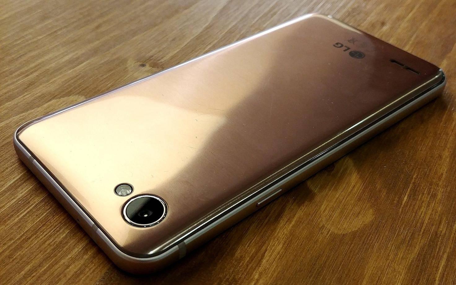 LG-Q6-03