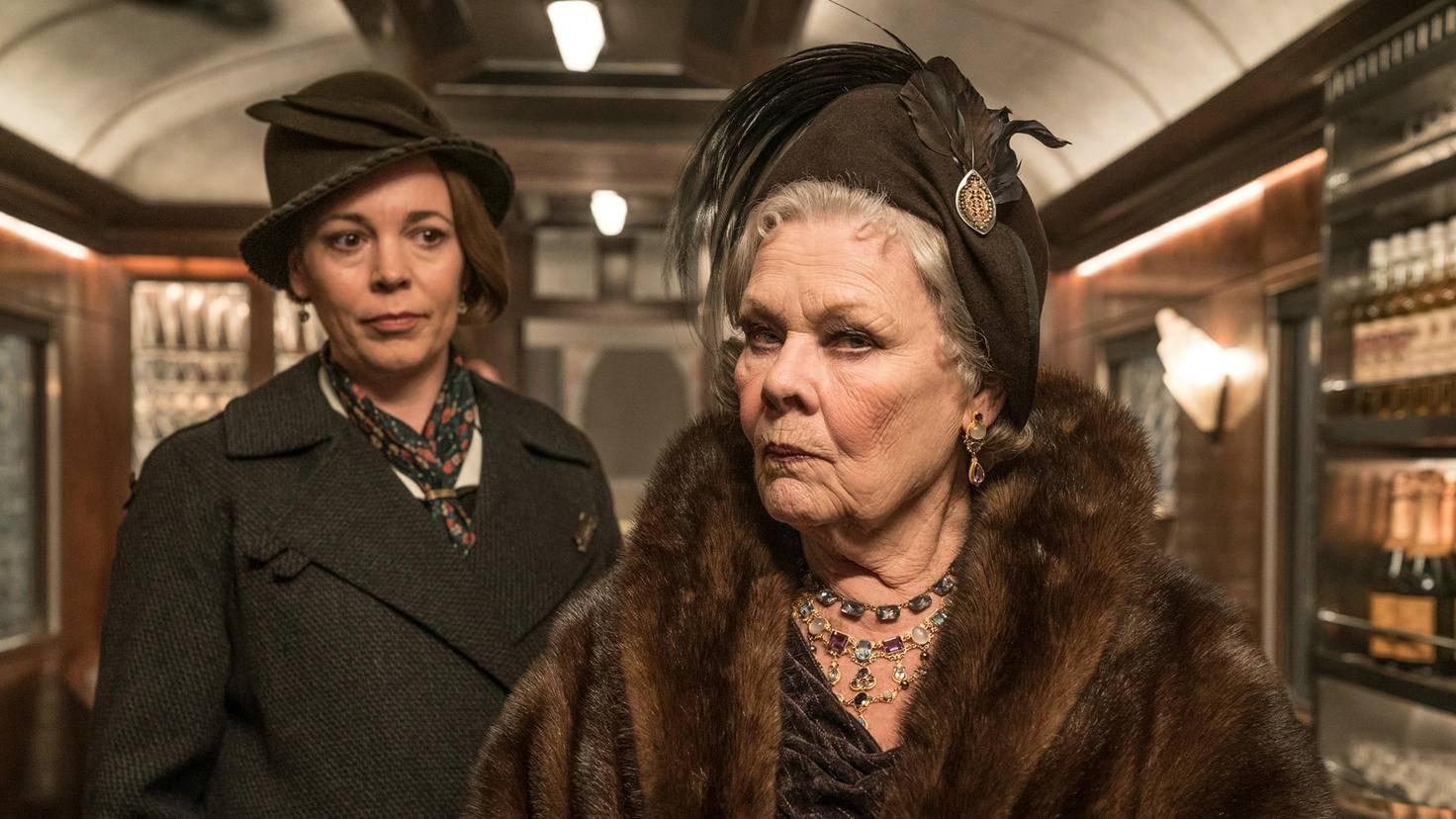 Jeder ist verdächtig: sowohl Prinzessin Dragomiroff (Judi Dench) als auch ihre Zofe Hildegard Schmidt (Olivia Coleman, links).