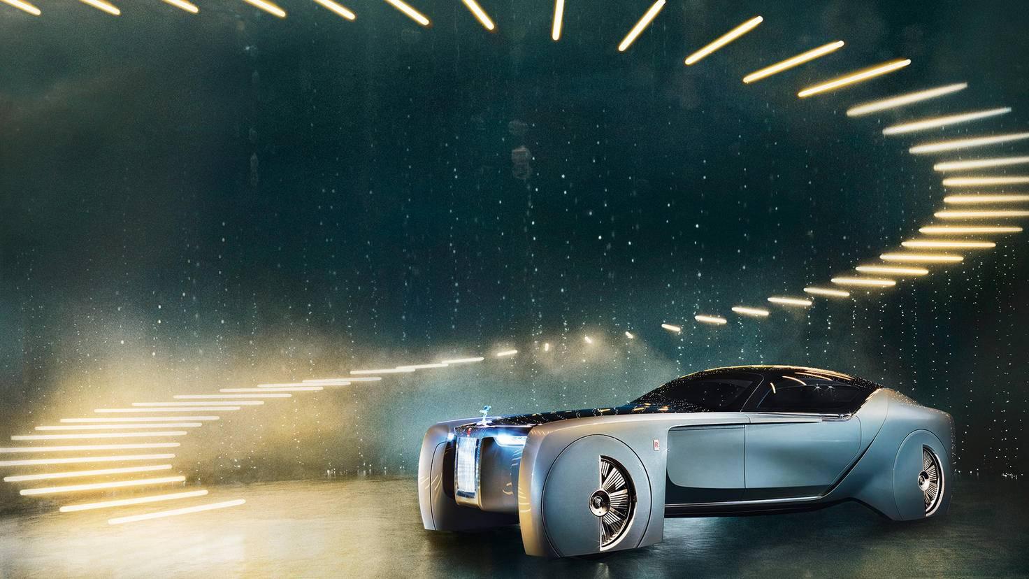 Pompös: Beim Aussteigen aus dem Rolls-Royce VISION NEXT 100 öffnen sich Dach und Seitentür. Leuchten projizieren einen roten Teppich.