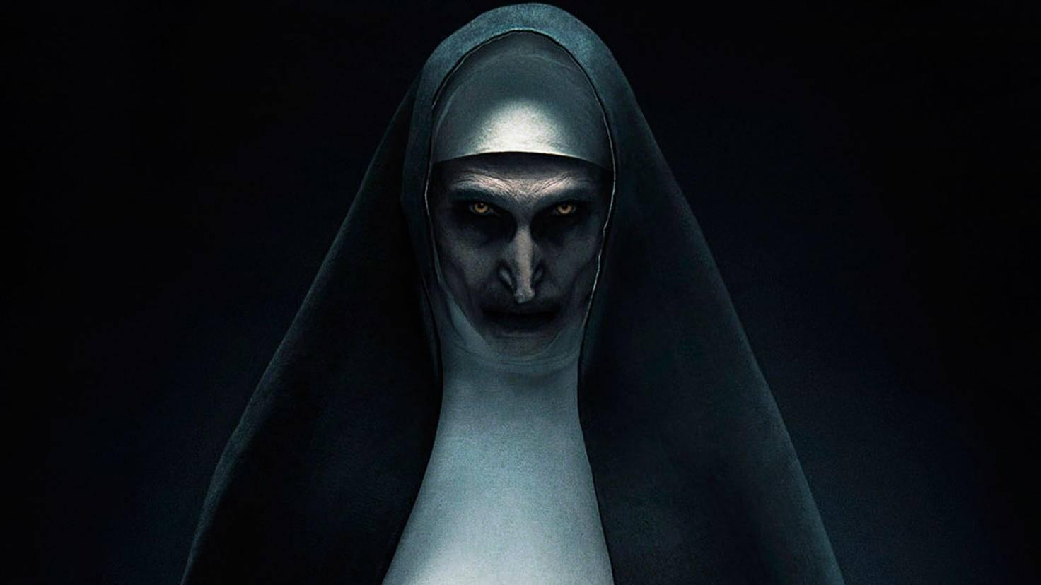Bonnie Aarons schockt einmal mehr als dämonische Nonne Valak.