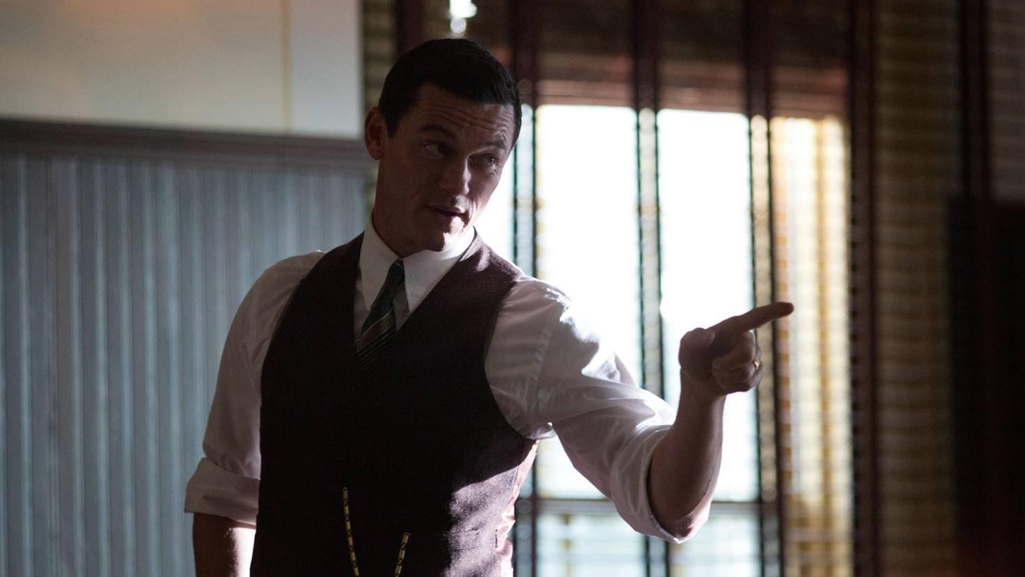 """Luke Evans als William Marston in """"Professor Marston & the Wonder Women"""""""