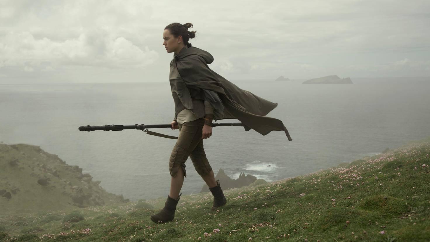 """Bisher hat man in """"Star Wars: Das Erwachen der Macht"""" den Planeten Ahch-to nur ganz kurz gesehen."""