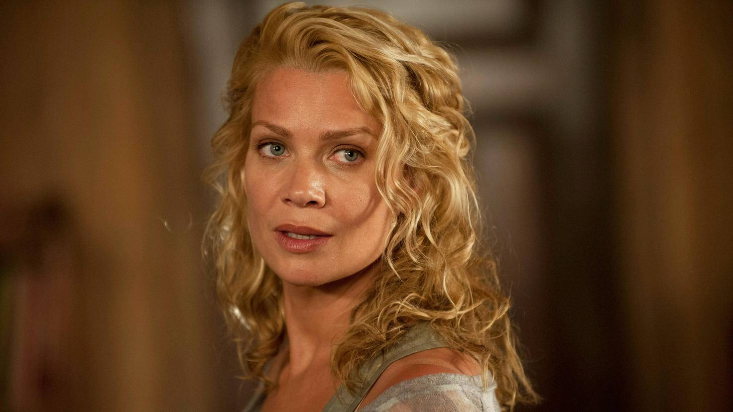 The Walking Dead-Andrea-Laurie Holden-Gene Page-AMC-TWD_GP_303_0611_0278