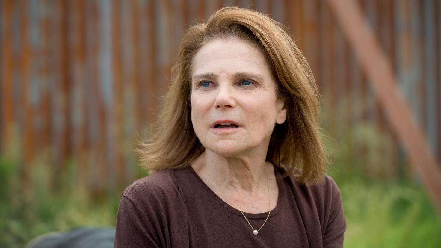 The Walking Dead-Deanna-Tovah Feldshuh-Gene Page-AMC-TWD_602_GP_0519_0108