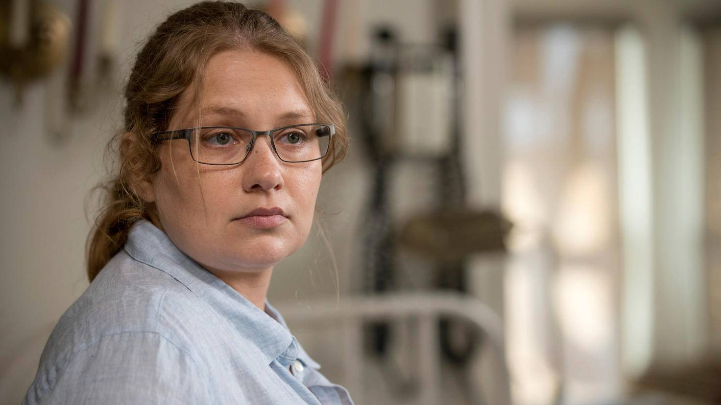 The Walking Dead-Denise-Merritt Wever-Gene Page-AMC-TWD_602_GP_0527_0037