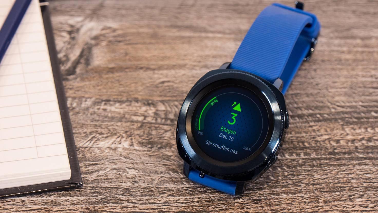 Wie viele Etagen hast Du heute schon erklommen? Die Samsung Gear Sport sagt es Dir.