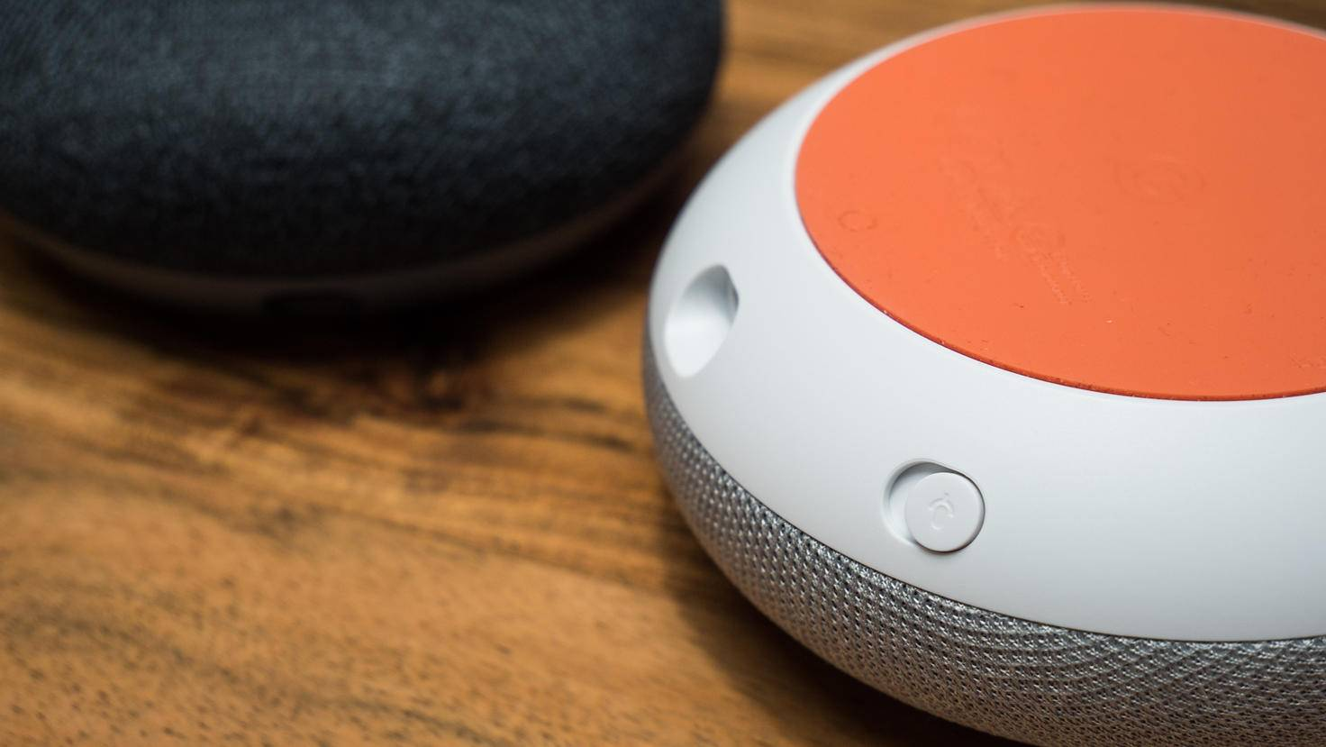 Google-Home-Mini-02