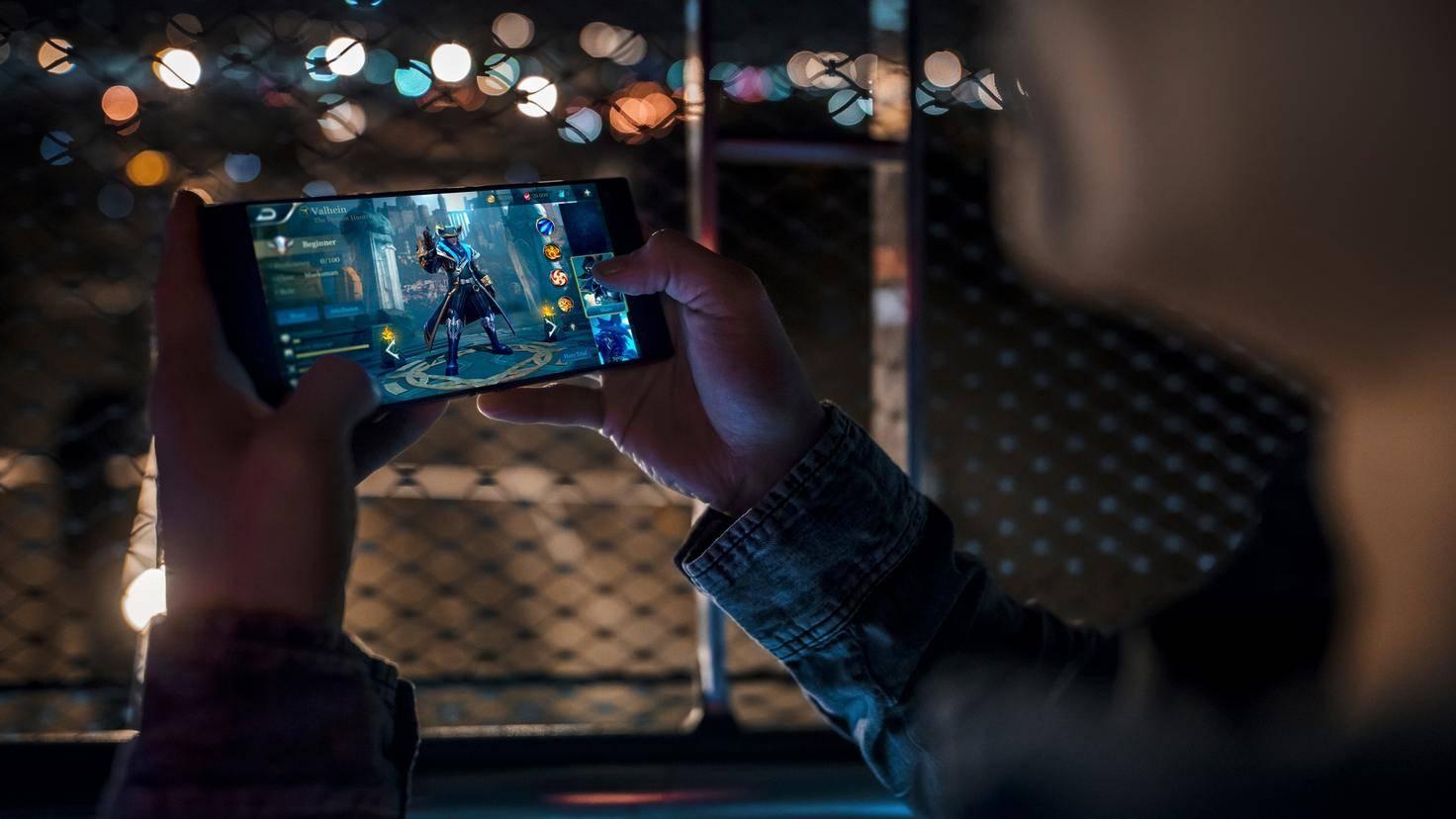 Razer-Phone-03