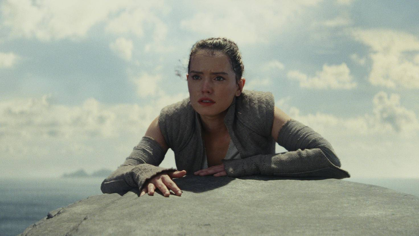 Rey wird auf Ahch-to zum Jedi-Ritter ausgebildet.