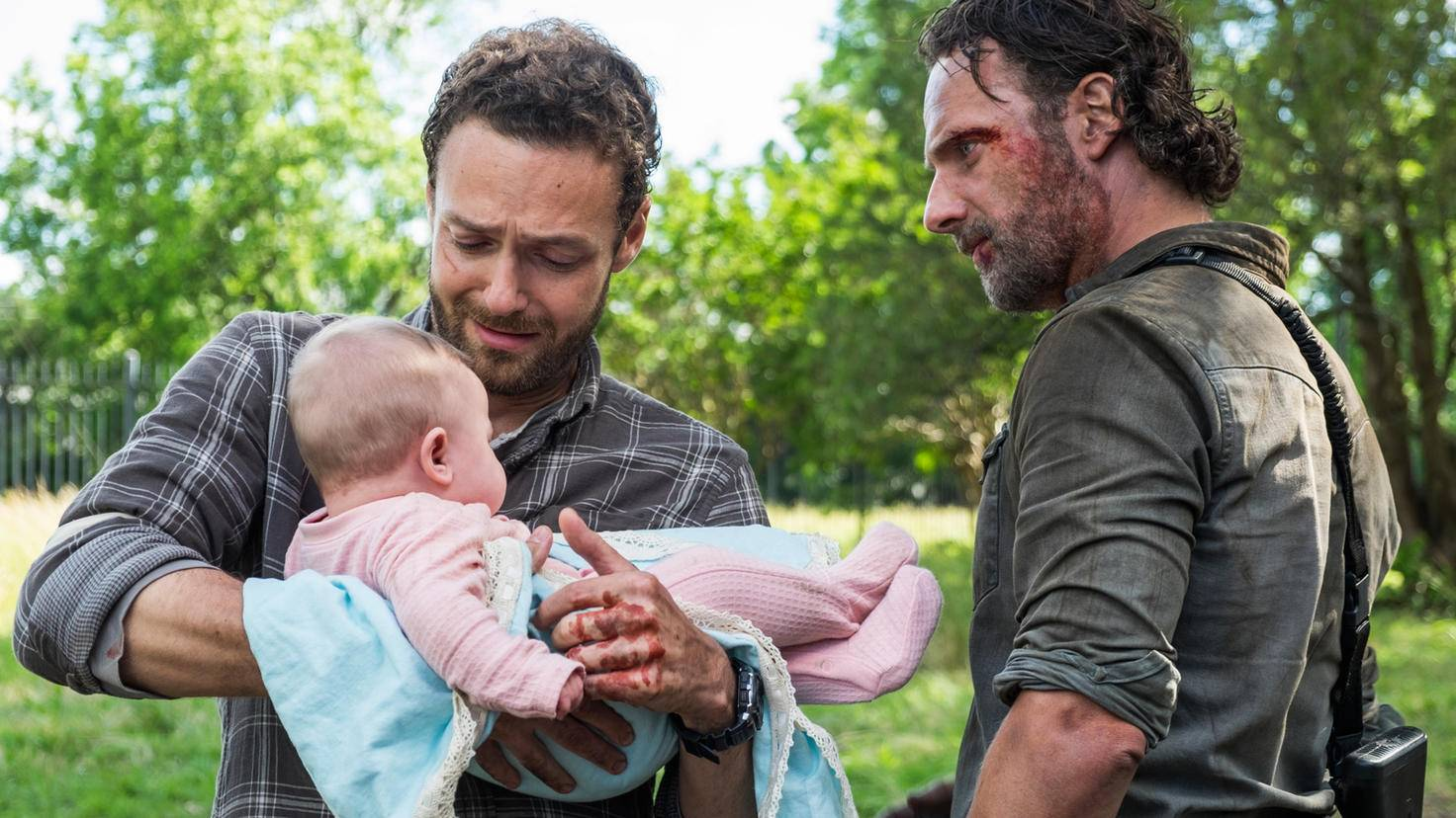 Kein Wunder, dass Rick eher skeptisch ist, als sich Aaron als Babsitter anbietet.