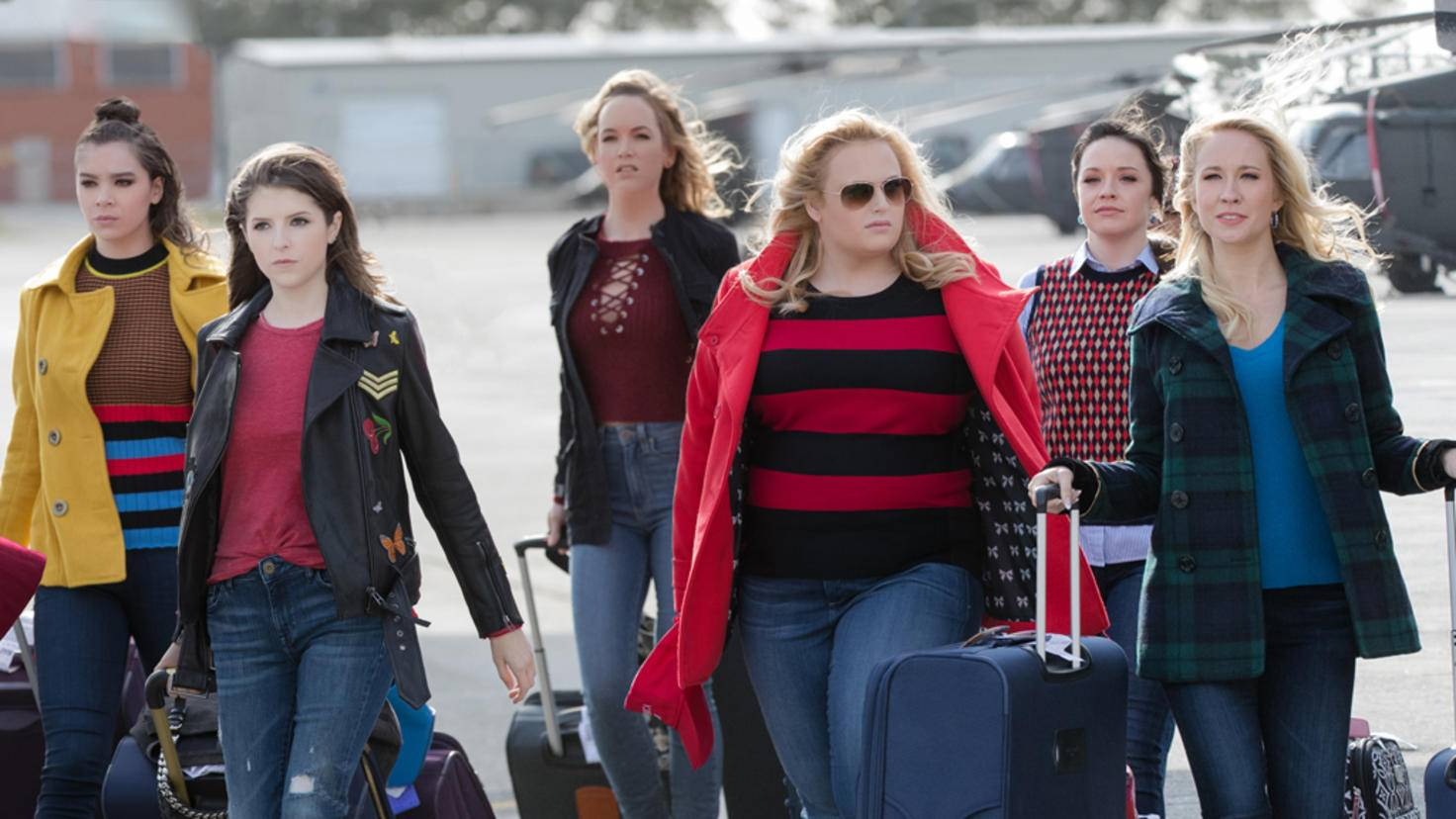 Die Bellas kommen am Truppenstützpunkt an ...