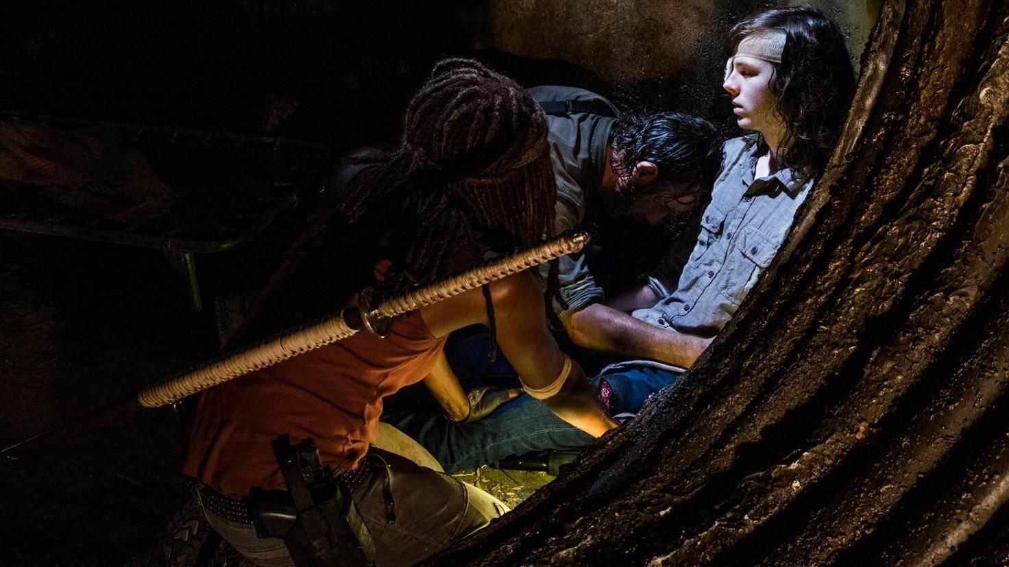 Rick und Michonne sind von der Offenbarung sichtlich getroffen.