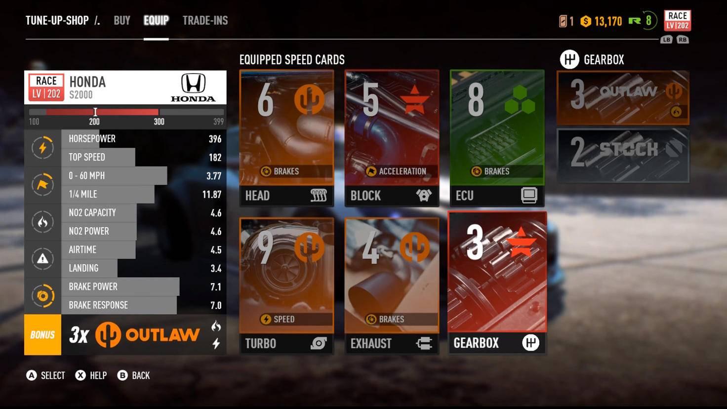 Eine Beispiel-Konfiguration mit sechs Speed-Karten. Unten links ist der Marken-Bonus zu sehen, der durch die drei Outlaw-Karten in den Slots Kopf, Turbo und Auspuff erreicht wird.