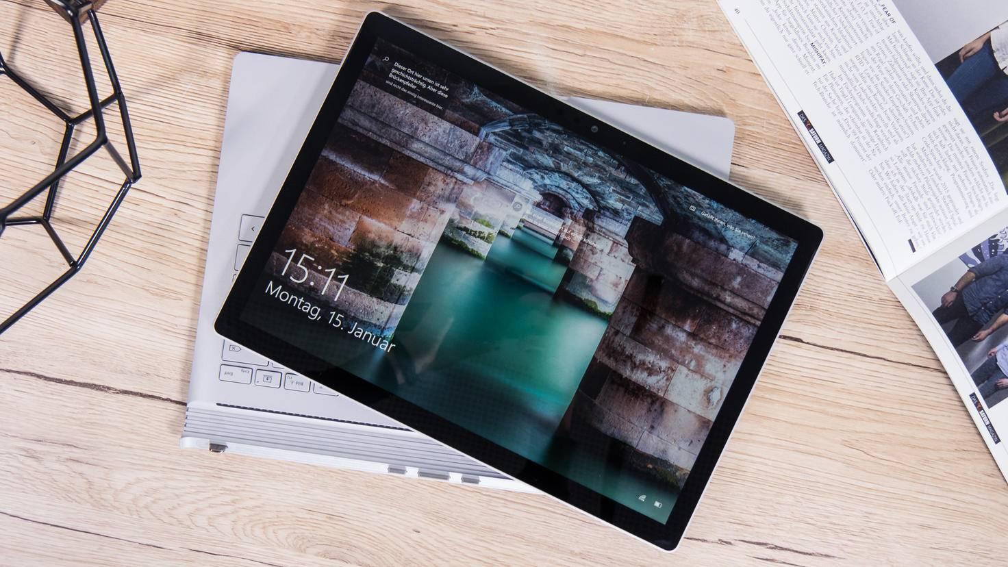 Microsoft-Surface-Book-2-8