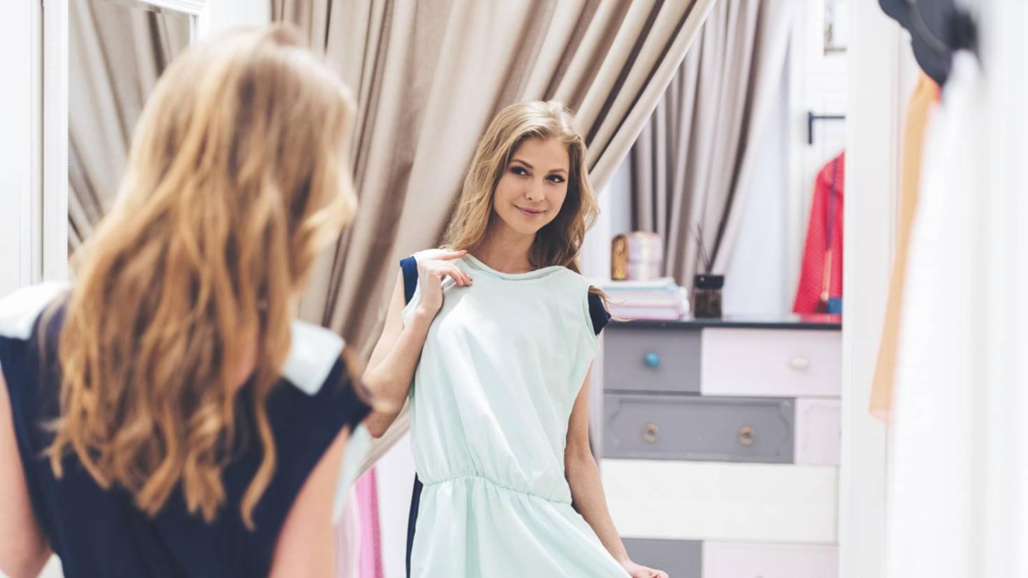 Spiegel Kleiderwahl