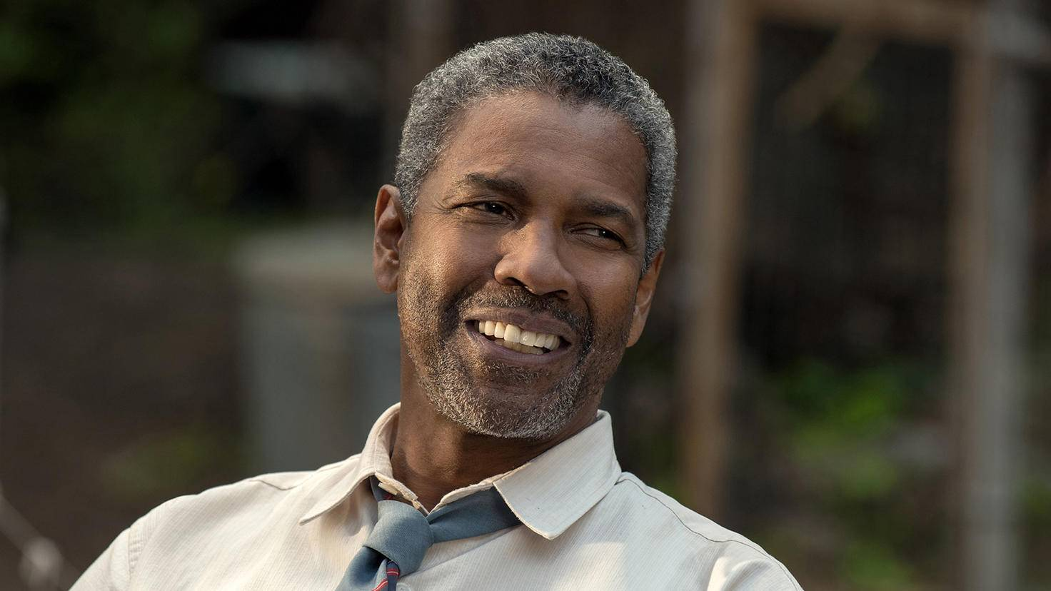 Denzel Washington-David Lee MMXVI Paramount Pictures Corporation. All Rights Reserved