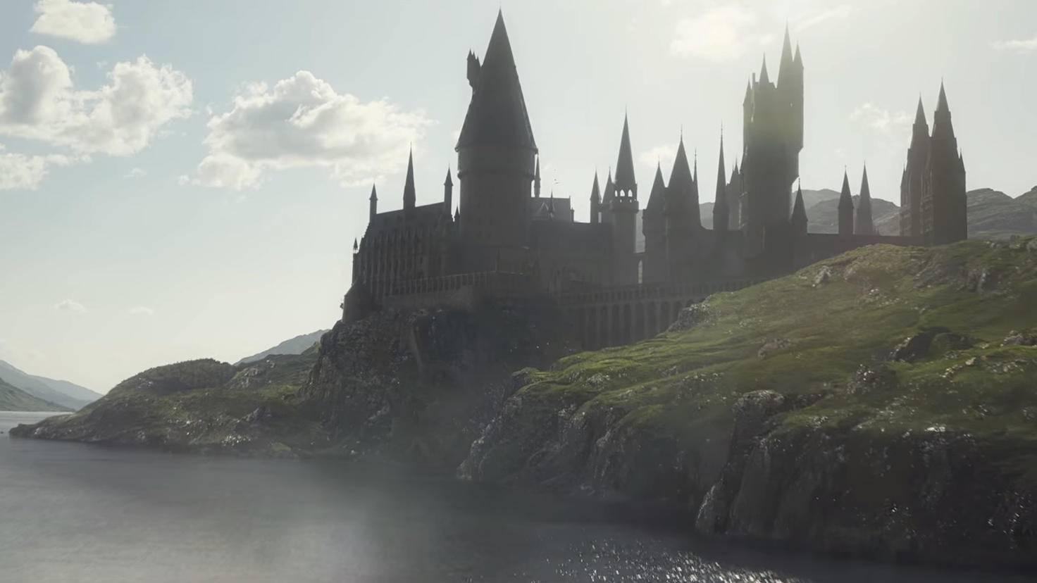 Back to school! Hogwarts ist ebenfalls ein Schauplatz – und sieht so zauberhaft aus wie eh und je.