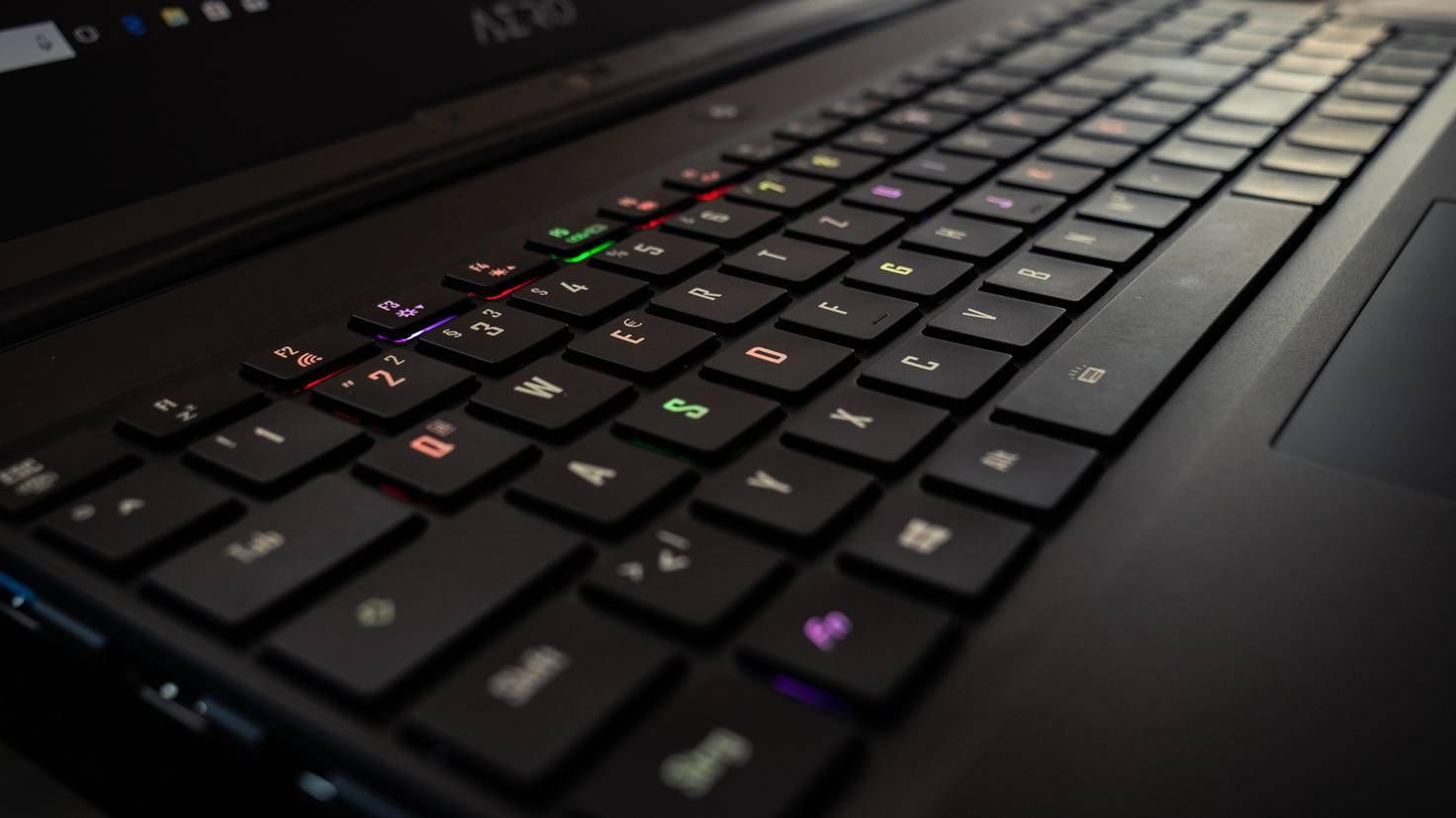 Gigabyte-Aero-15X-Gaming-Laptop-08