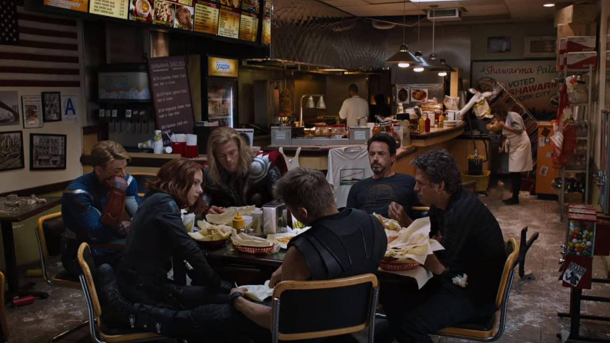 The Avengers Shawarma-Szene
