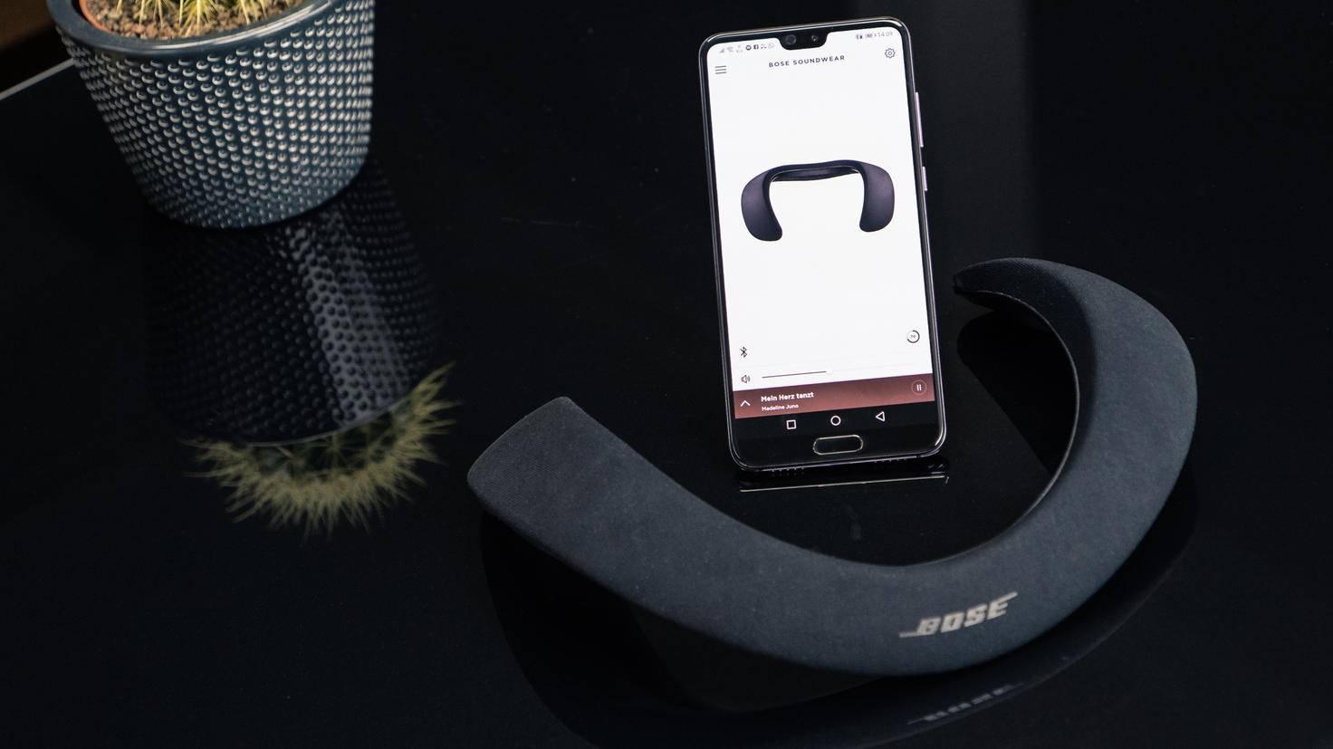 Bose-SoundWear-Companion-TURN-ON-5