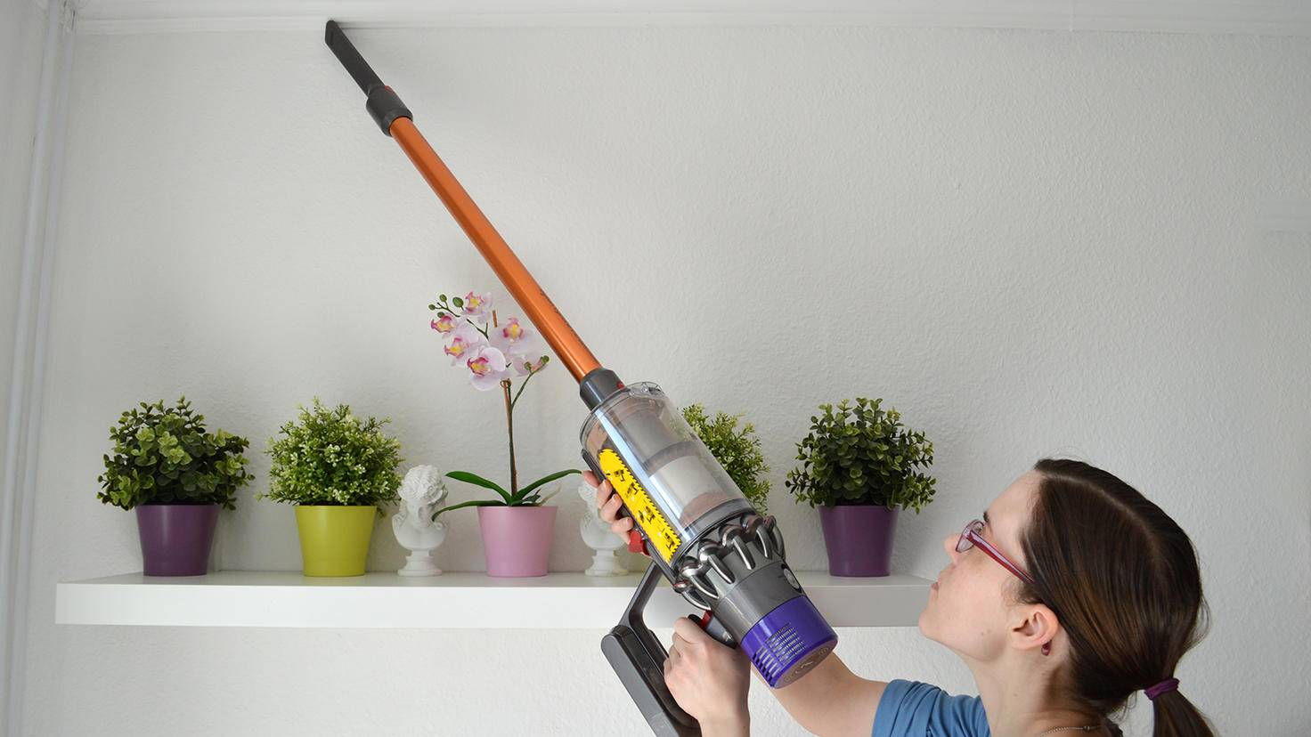 Dyson Cyclone V10 Absolute-3-TURN ON