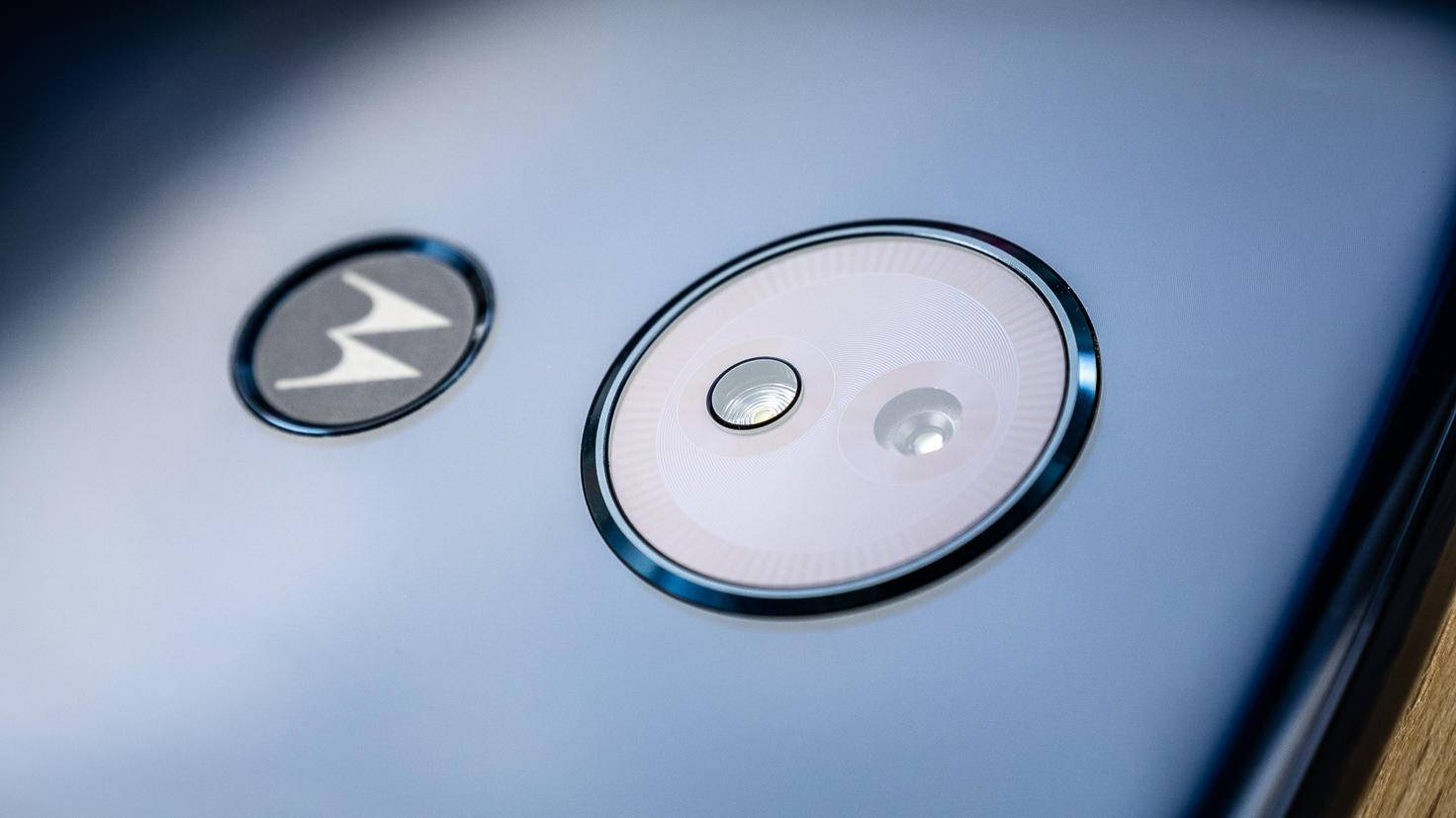 Motorola-Moto-G6-Play-TURN-ON-2