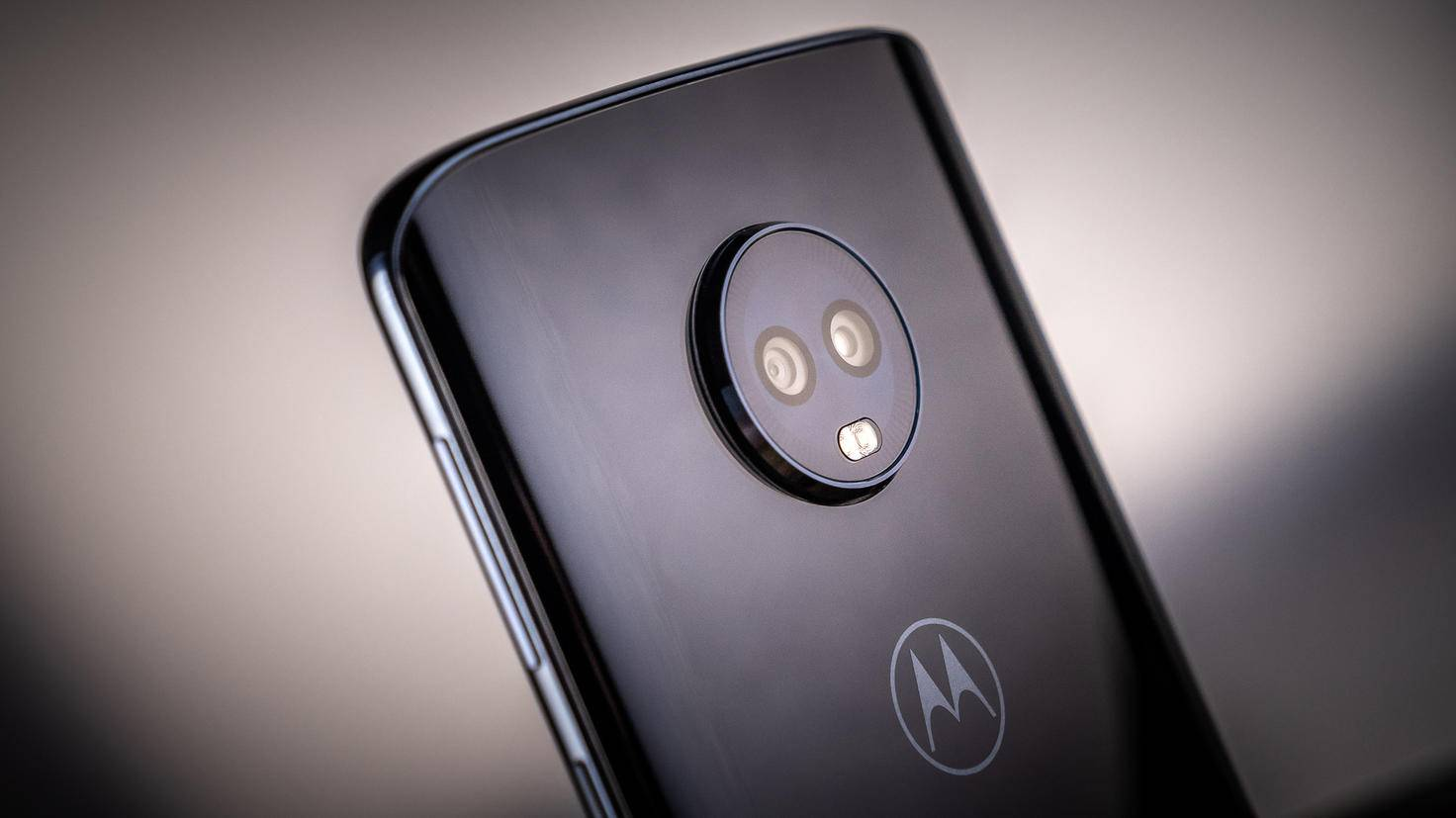 Motorola-Moto-G6-Plus-TURN-ON-5