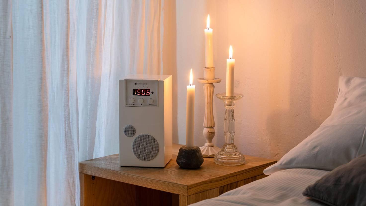 Den SpeakEasy von Como Audio gibt es alternativ auch in Weiß ...