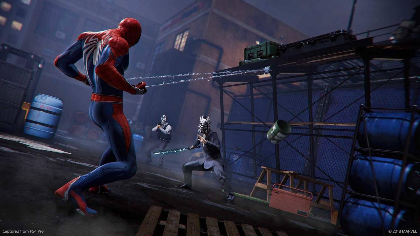 Herumstehende Gerüste werden in Spider-Mans kundigen Händen zu tödlichen Fallen.