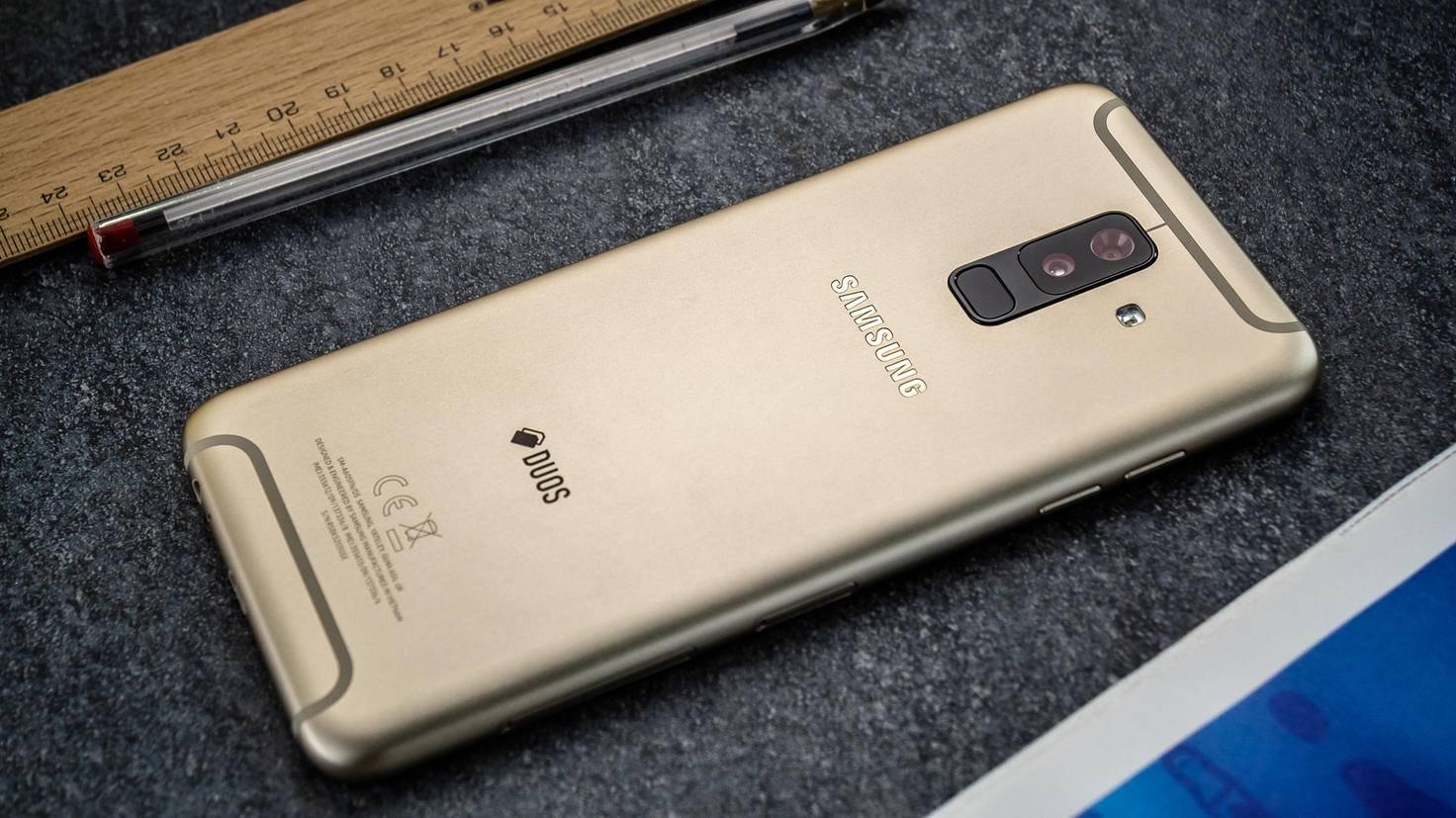 Samsung-Galaxy-A6-Plus-TURN-ON-3