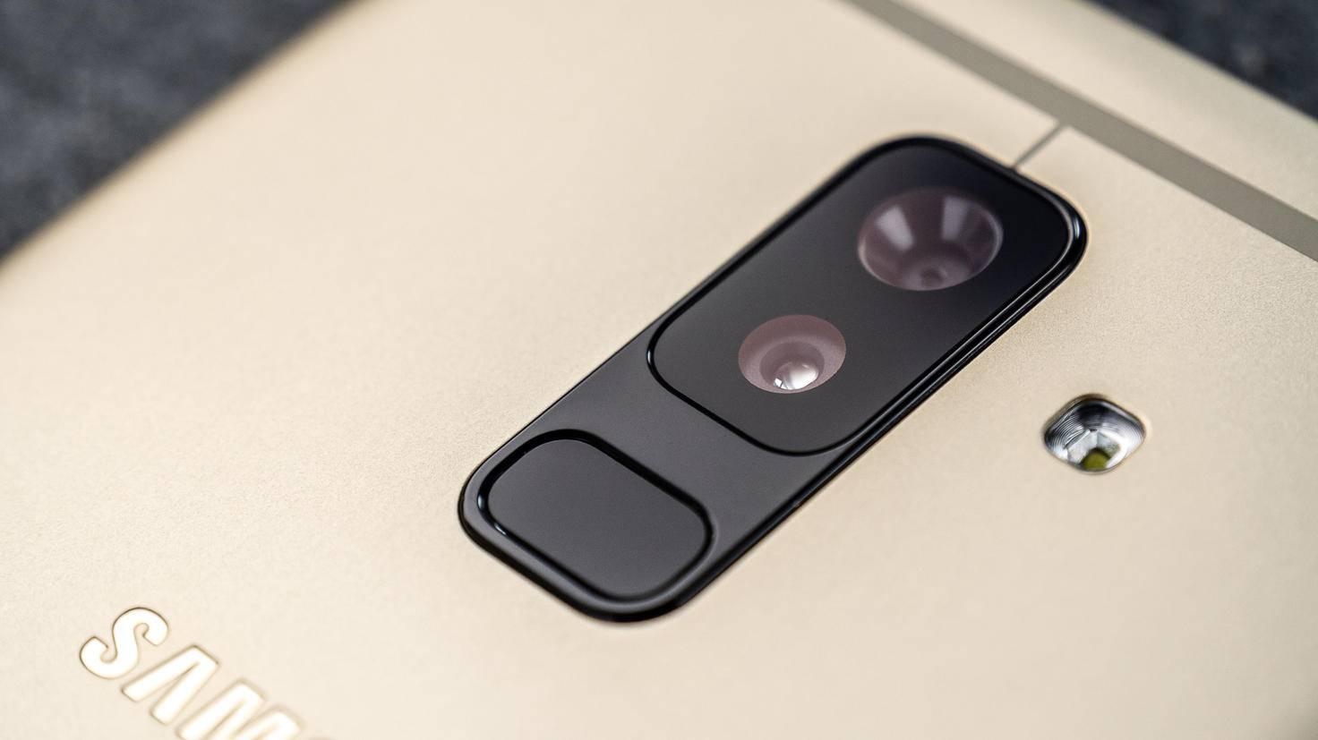 Samsung-Galaxy-A6-Plus-TURN-ON-4