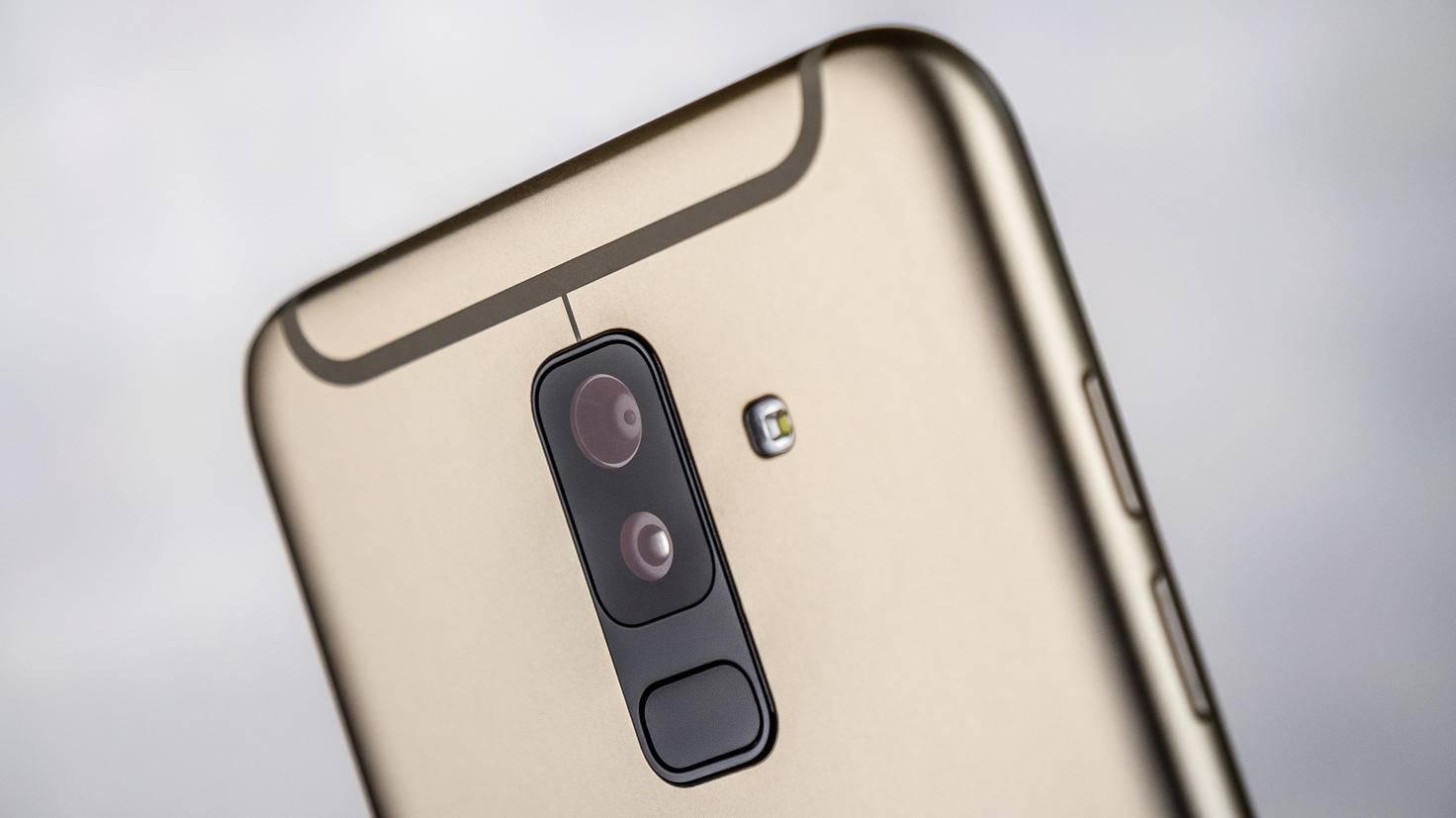 Samsung-Galaxy-A6-Plus-TURN-ON-5