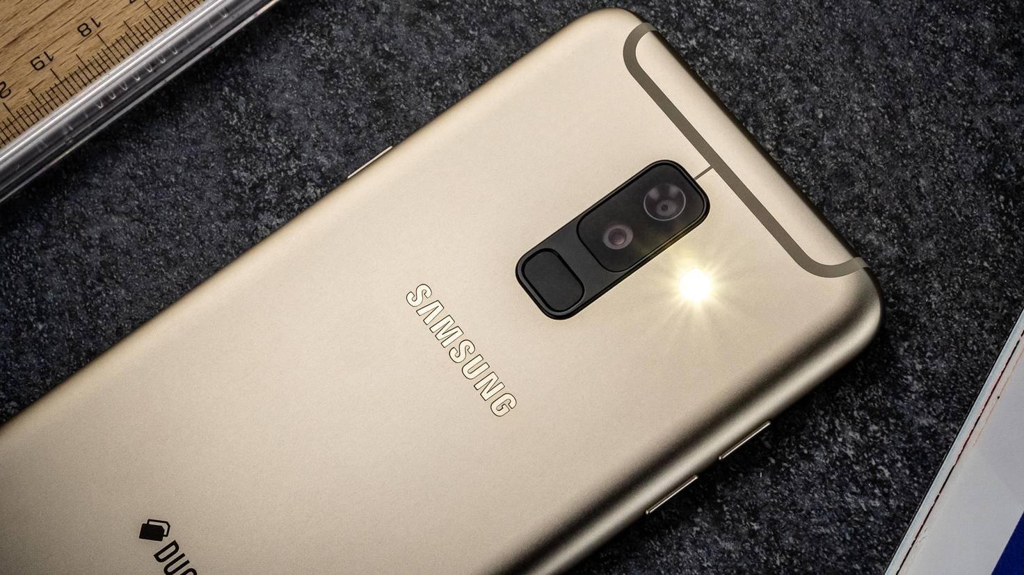 Samsung-Galaxy-A6-Plus-TURN-ON-6